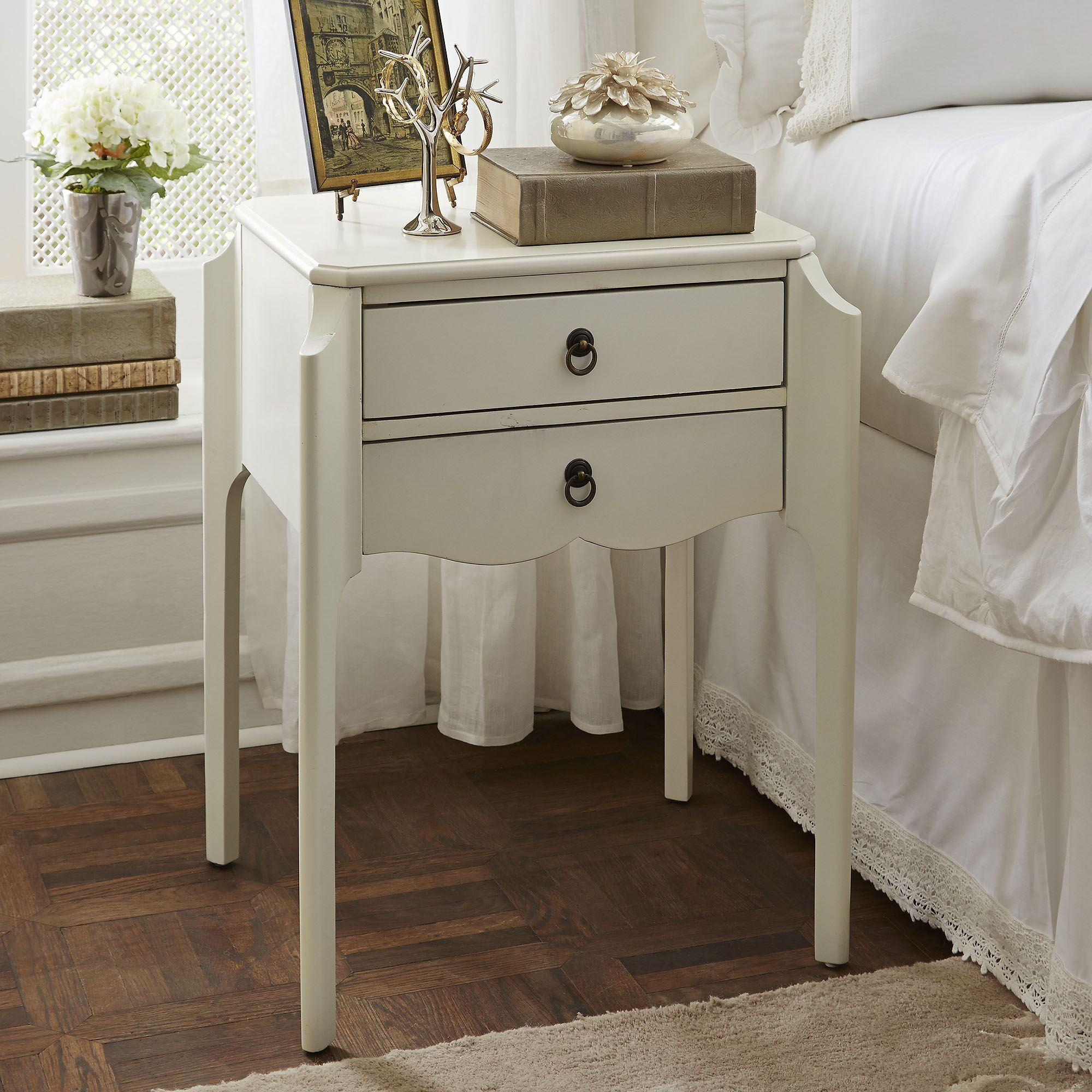 Blythe End Table Color: Glossy White