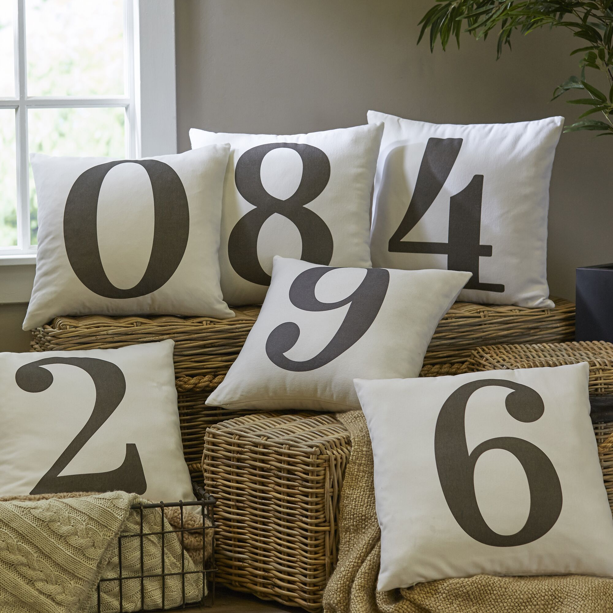 Lucky Number Pillow Cover Number: 7