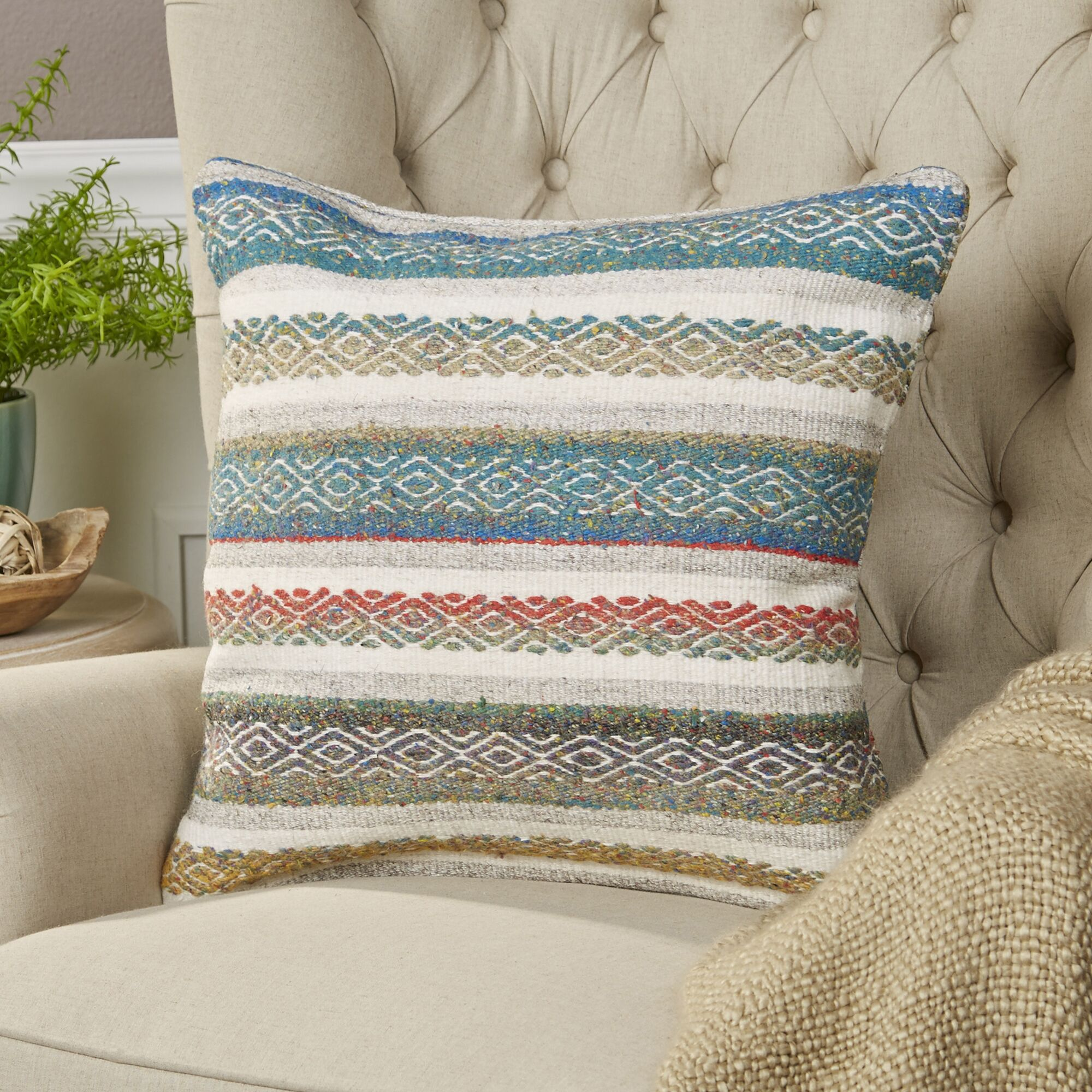 Gretchen Pillow Color: Teal, Size: 20