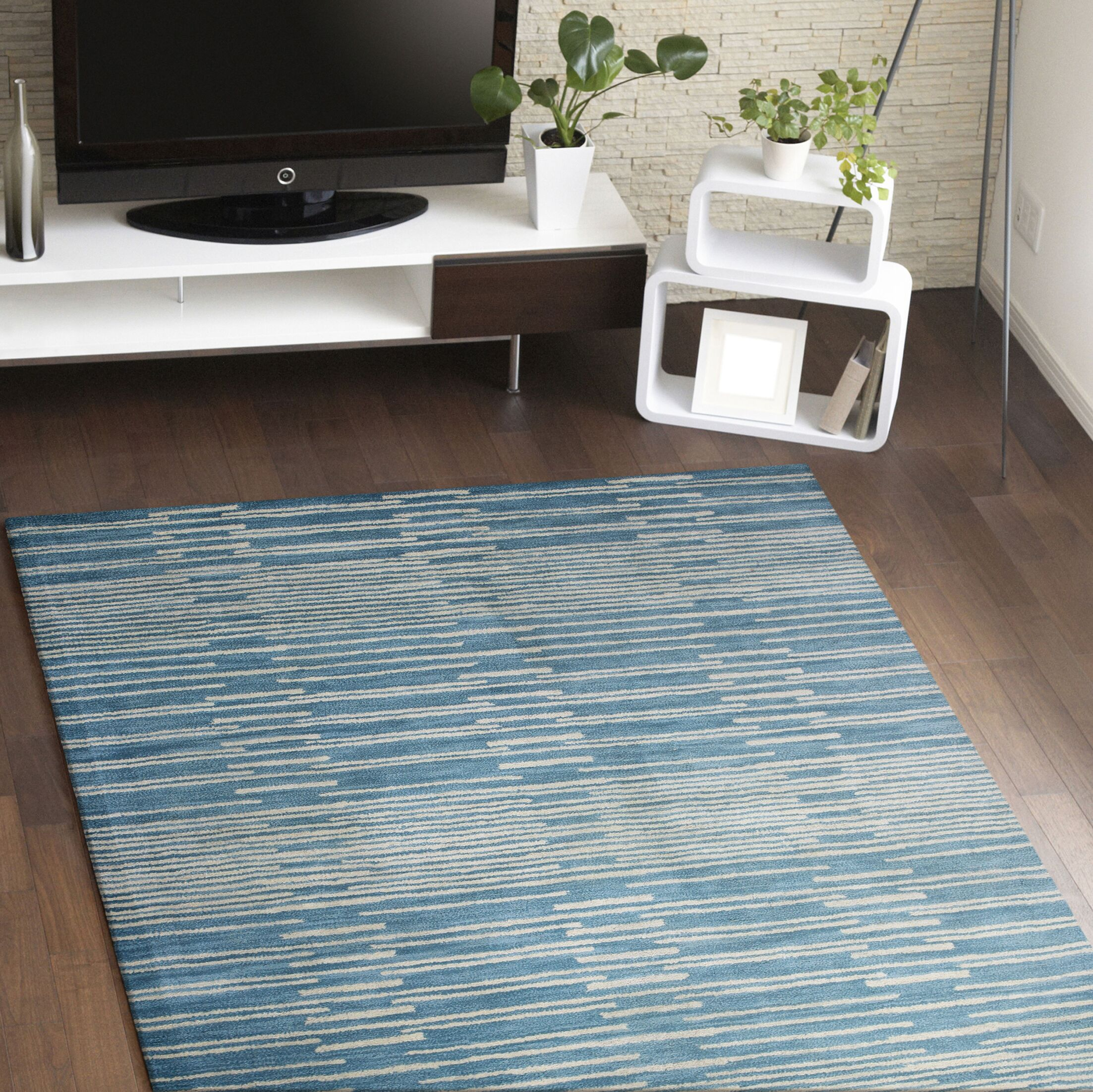 Dolores Rug in Blue Rug Size: Rectangle 5' x 7'6