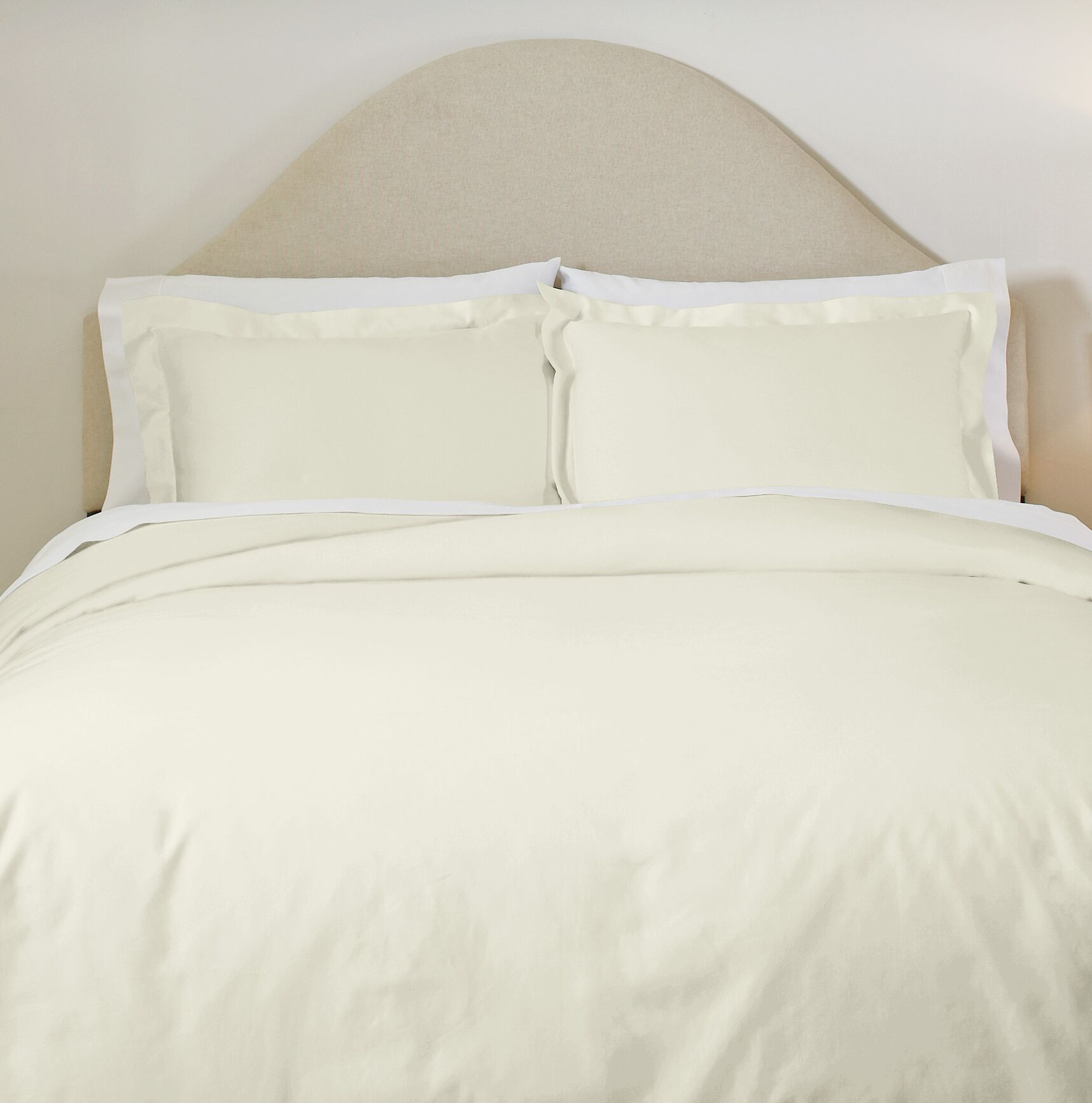 Classics Pillowcases Size: King, Color: Ivory