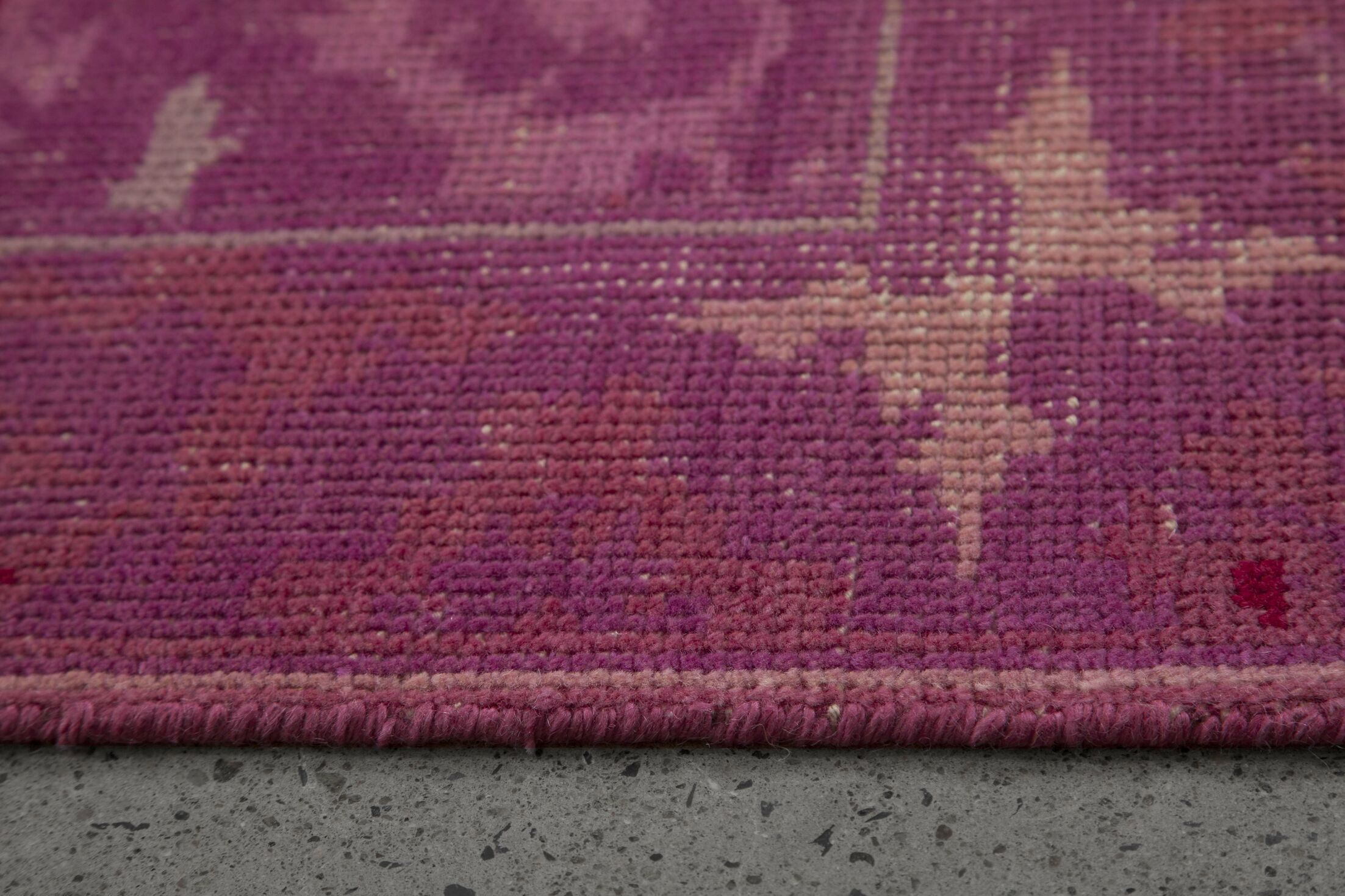 Hand-Knotted Pink Area Rug Rug Size: 5'2