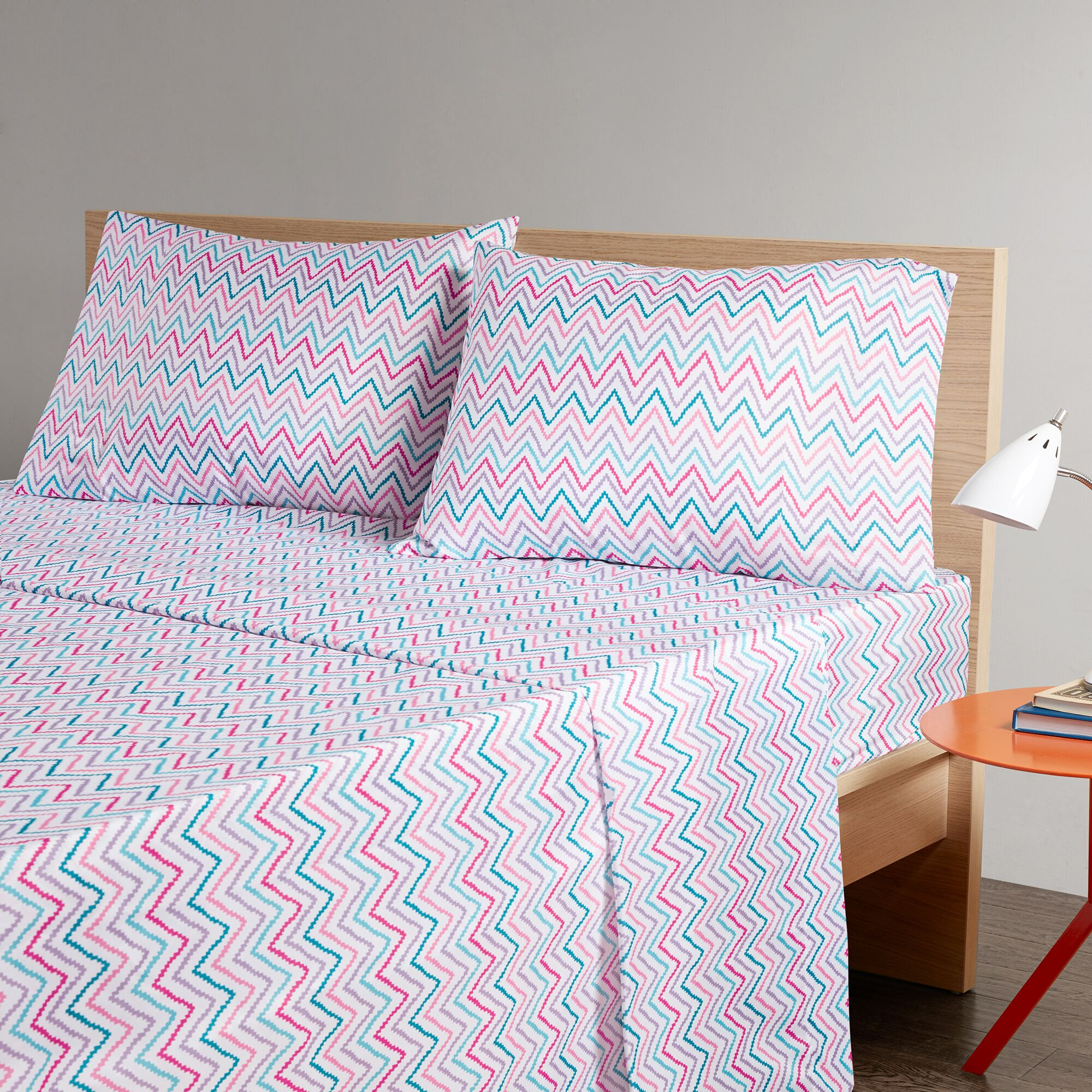 Gillard Chevron Printed Sheet Set Size: Full, Color: Pink/Teal