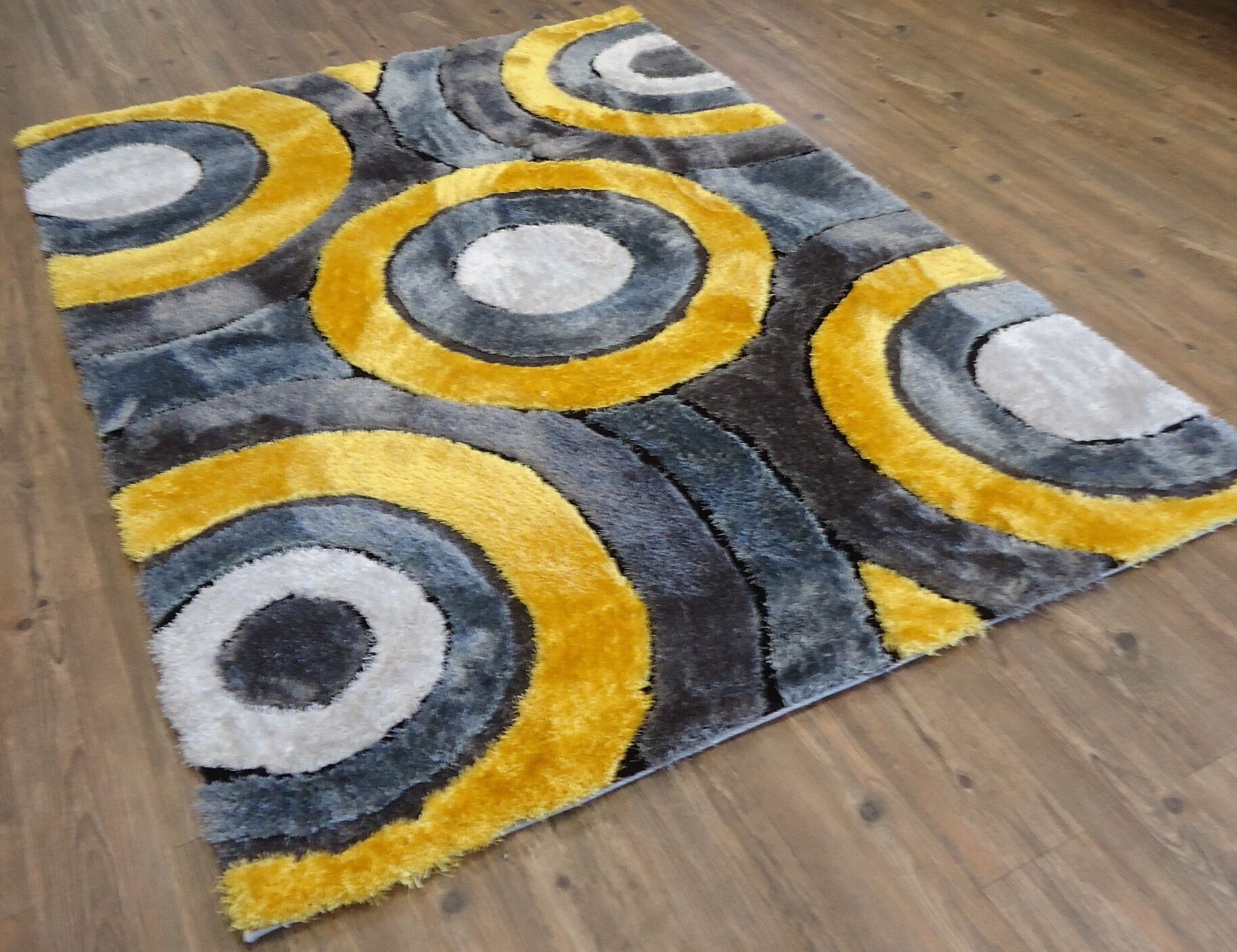 Queanbeyan Shaggy Hand-Tufted Gray/Yellow Area Rug