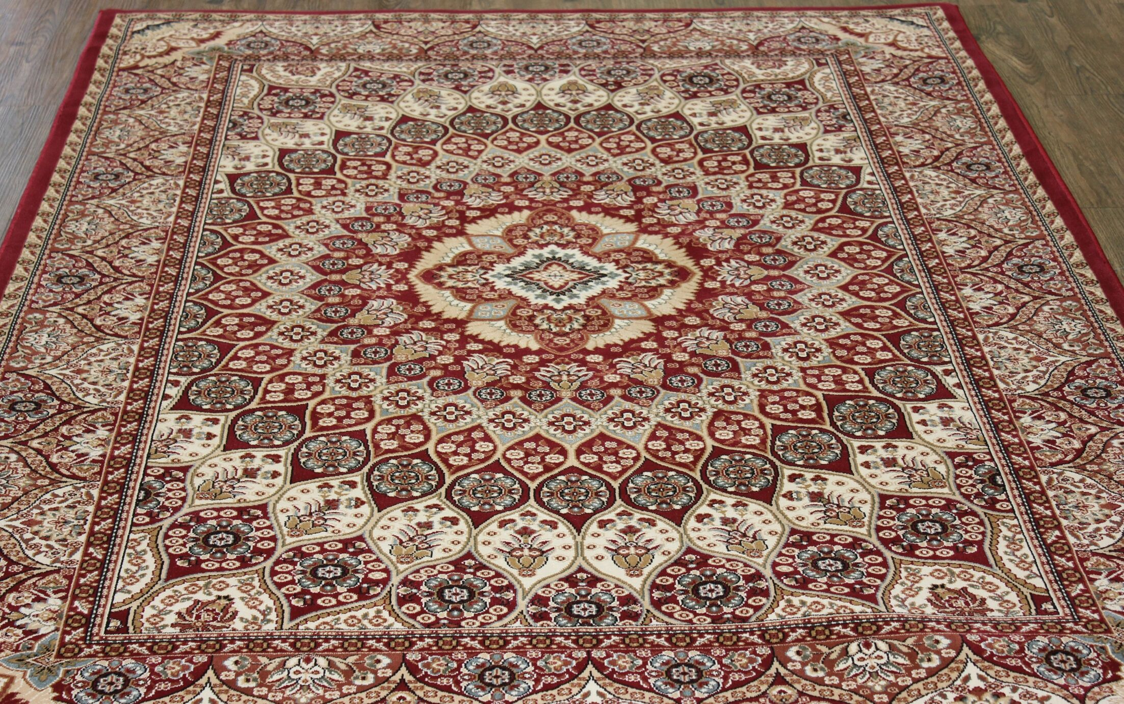 Linde Oriental Red Area Rug Rug Size: Rectangle 7'10
