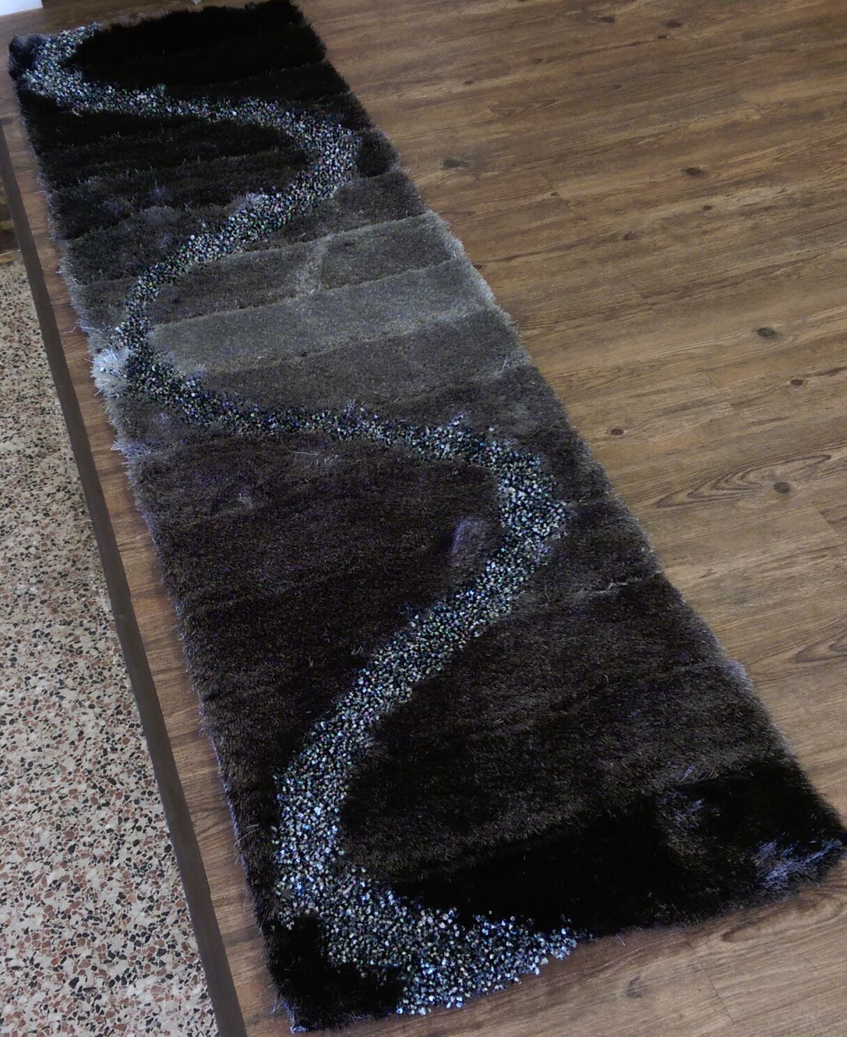 Hand-Tufted Gray/Black/Silver Area Rug