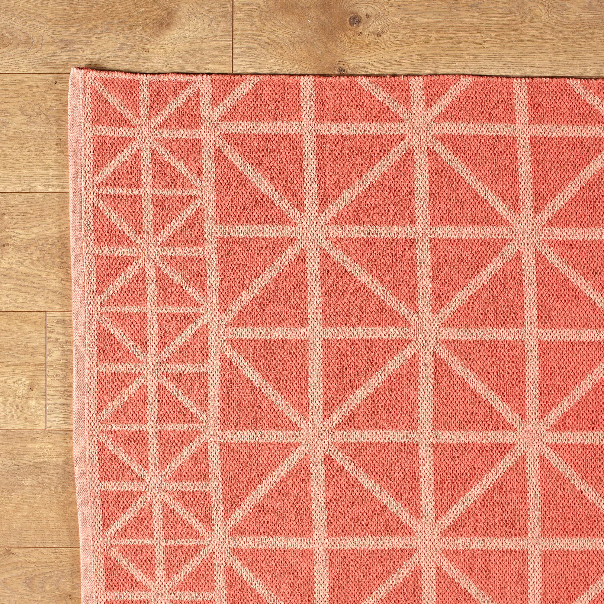 Tri Your Best Coral Reversible Rug Rug Size: 5' x 8'