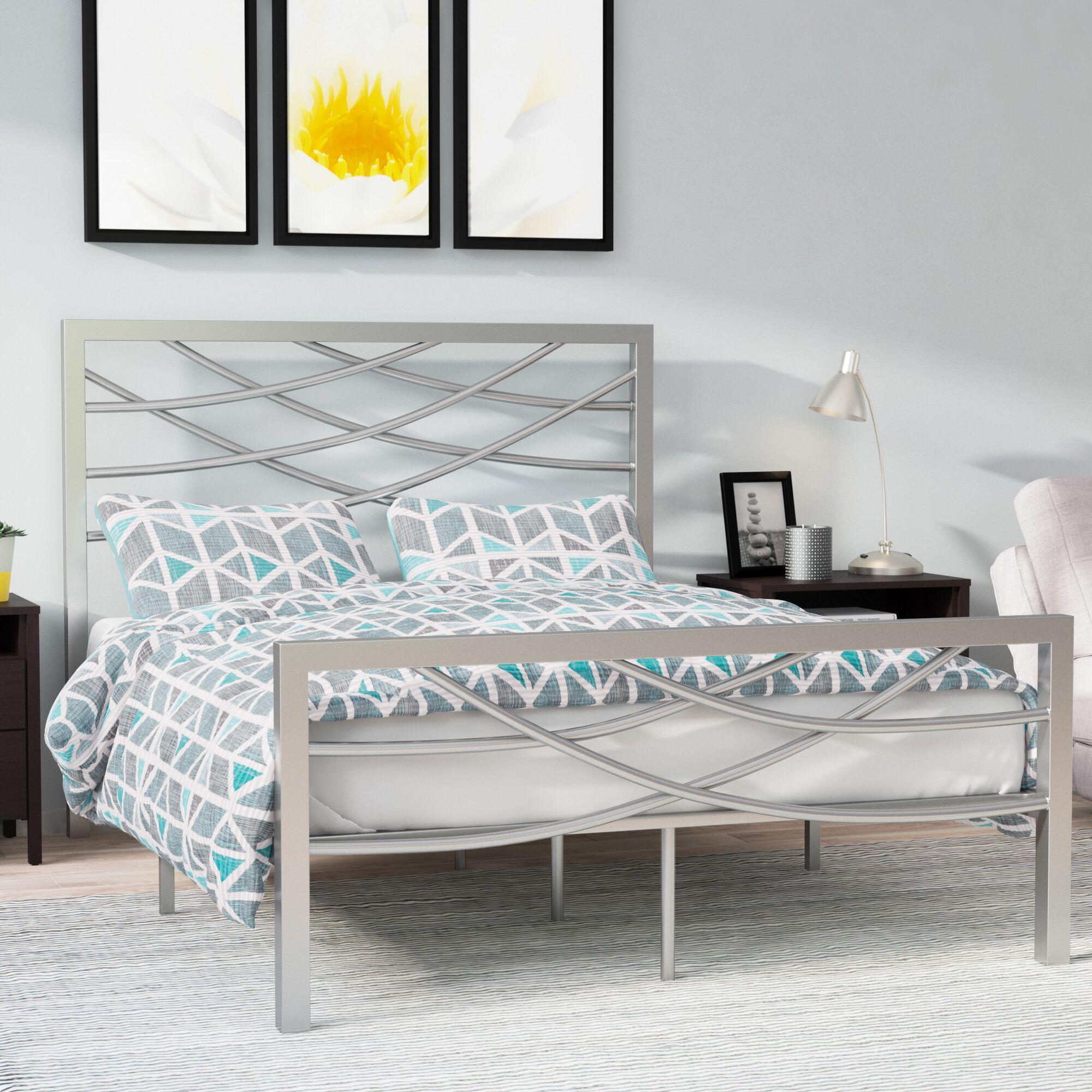 Castile Platform Bed Size: Queen