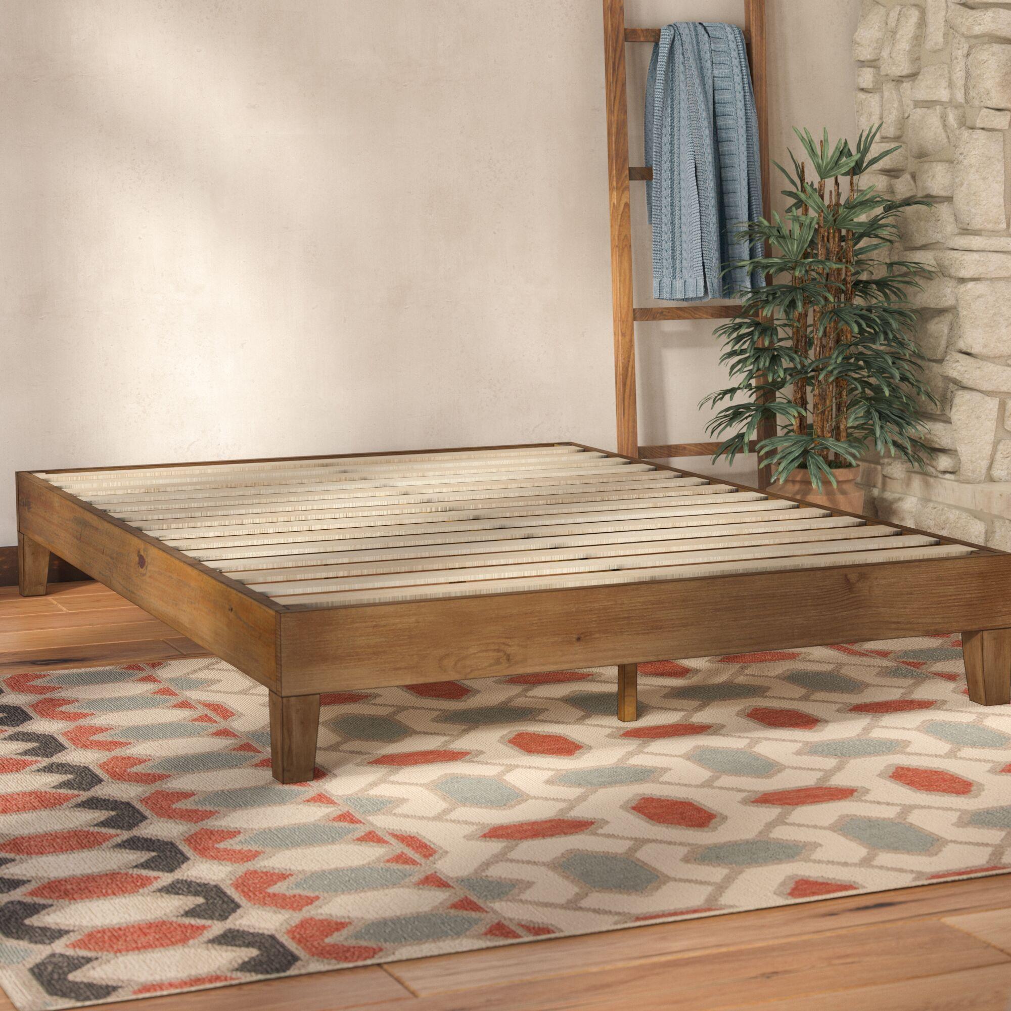Wood Platform Bed Size: Queen