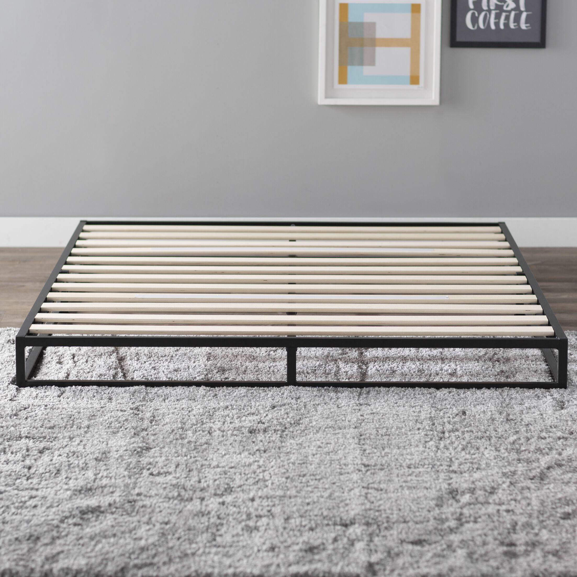 St. Germain Platform Bed Size: Queen