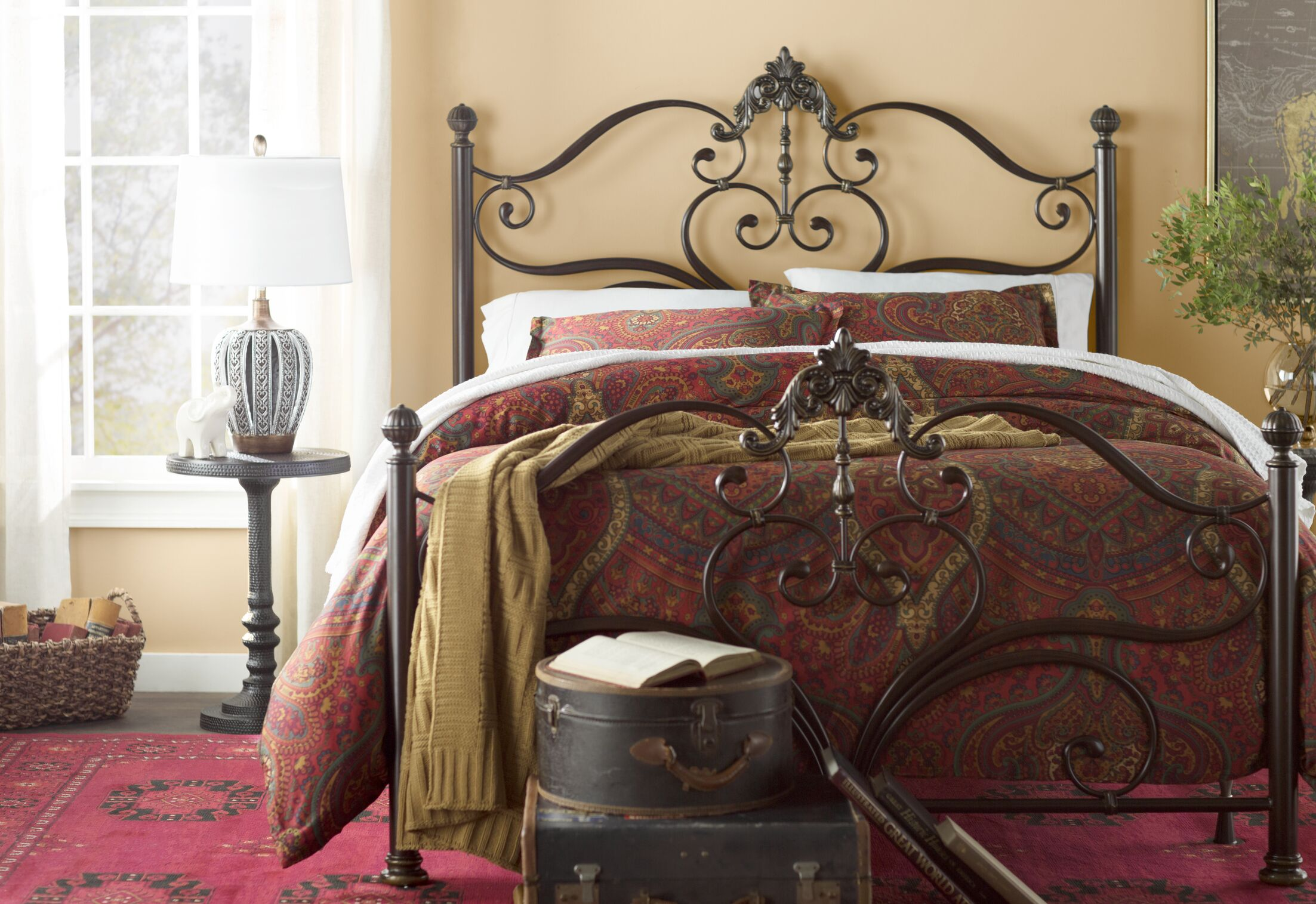 Higham Panel Bed Size: Queen