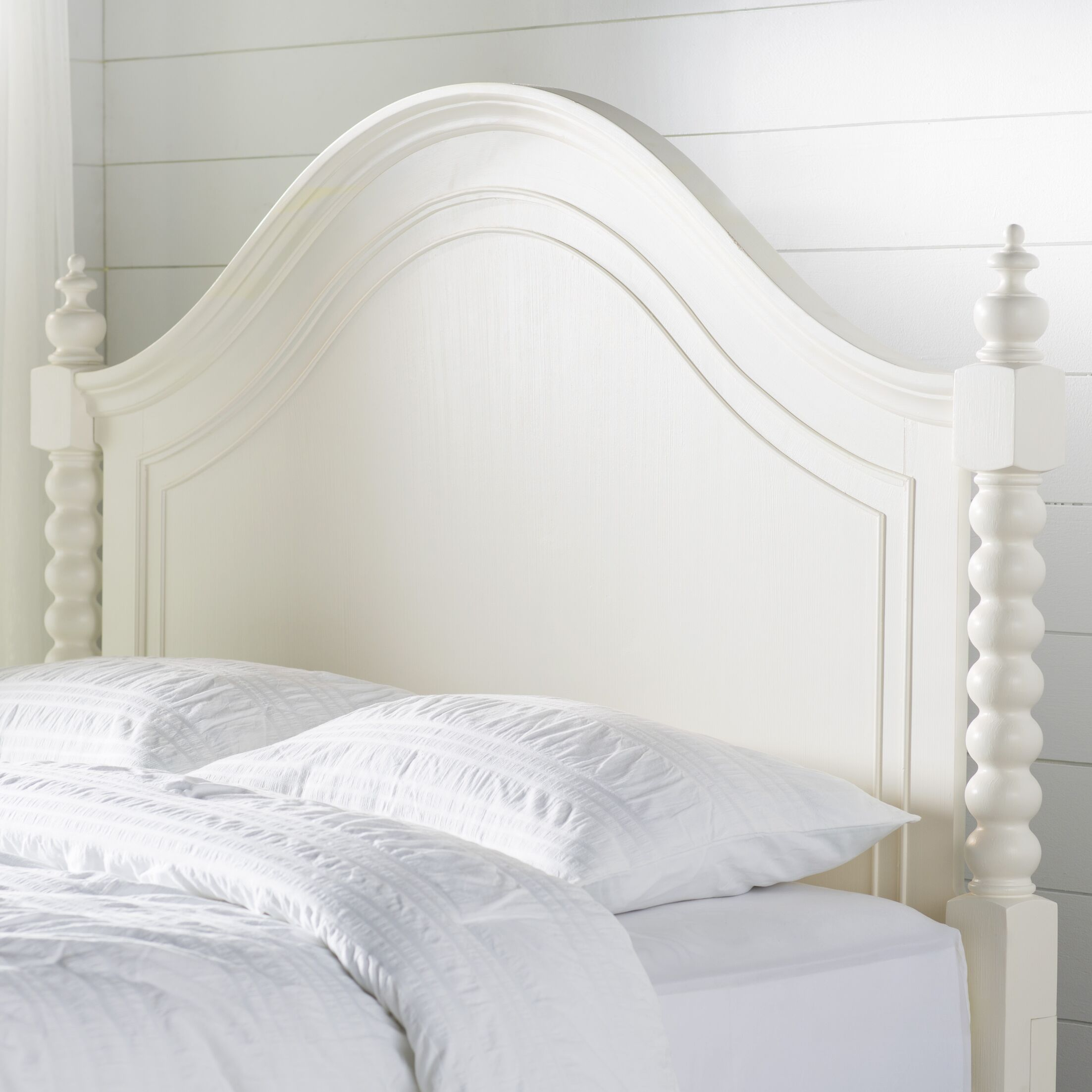 Saguenay Panel Headboard Size: Queen, Color: Linen