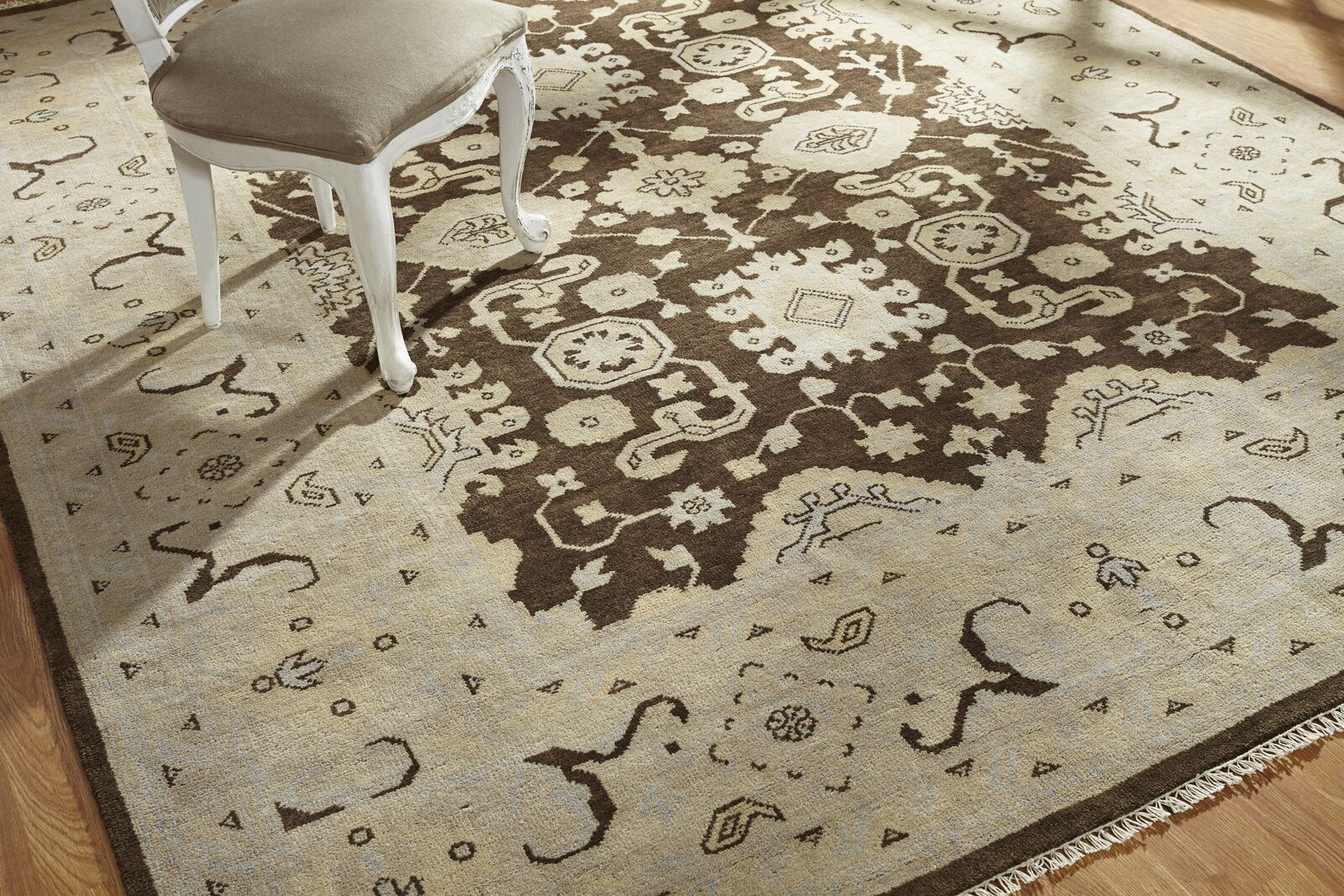 Zelida Hand Knotted Wool Brown/Ivory Area Rug Rug Size: Rectangle 8' x 10'