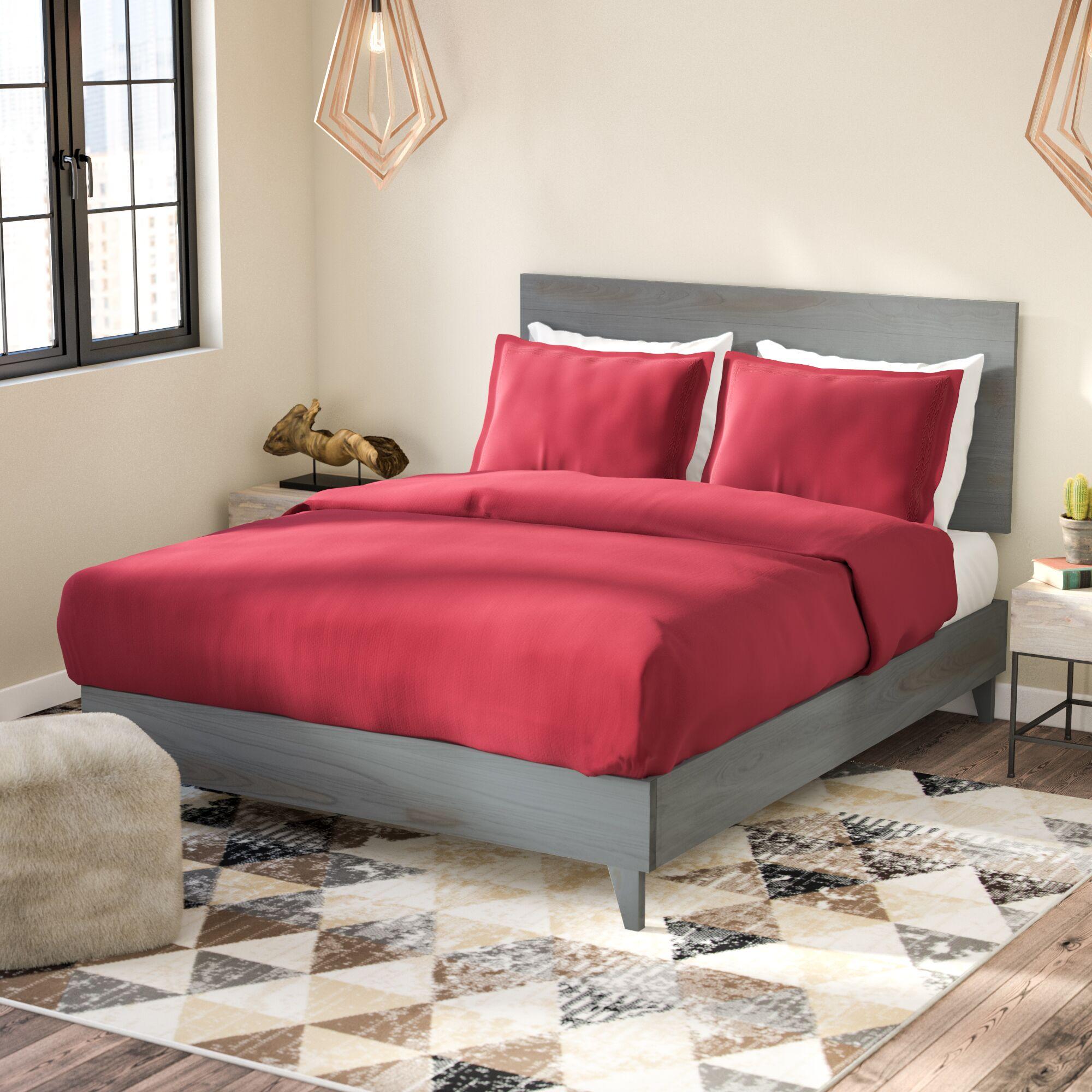 Alayna Industrial Platform Bed Size: Full