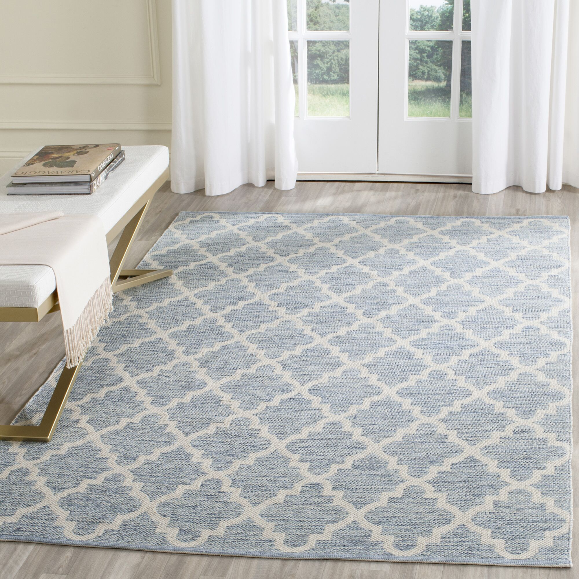 Valley Hand-Woven Light Blue/Ivory Area Rug Rug Size: Rectangle 5' x 7'