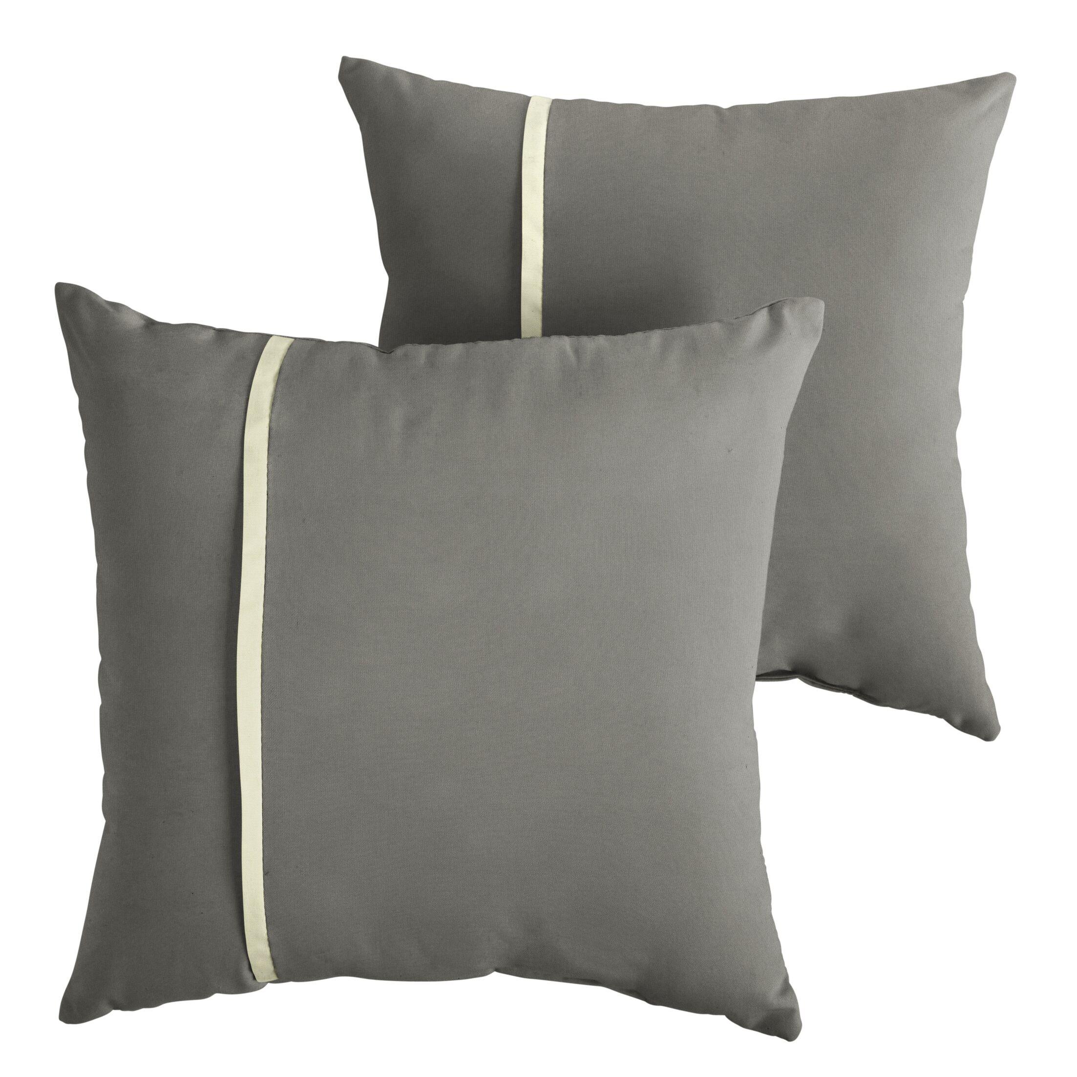 Chau Indoor/Outdoor Throw Pillow Size: 22