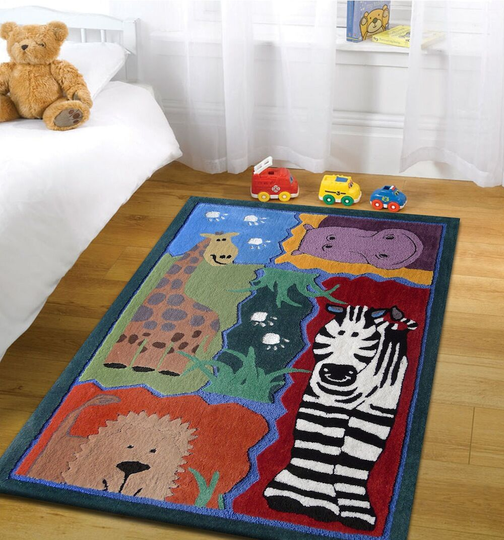 Hayhurst Wild Life Animals Hand-Tufted Green/Red Area Rug