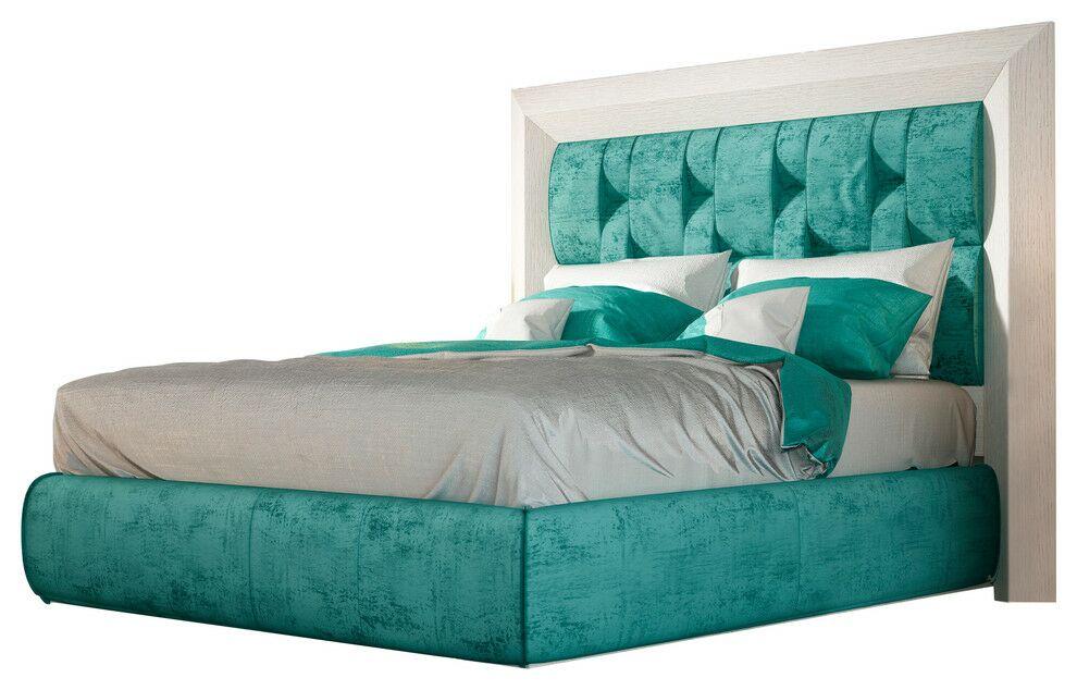 Dela Panel Bed Size: King