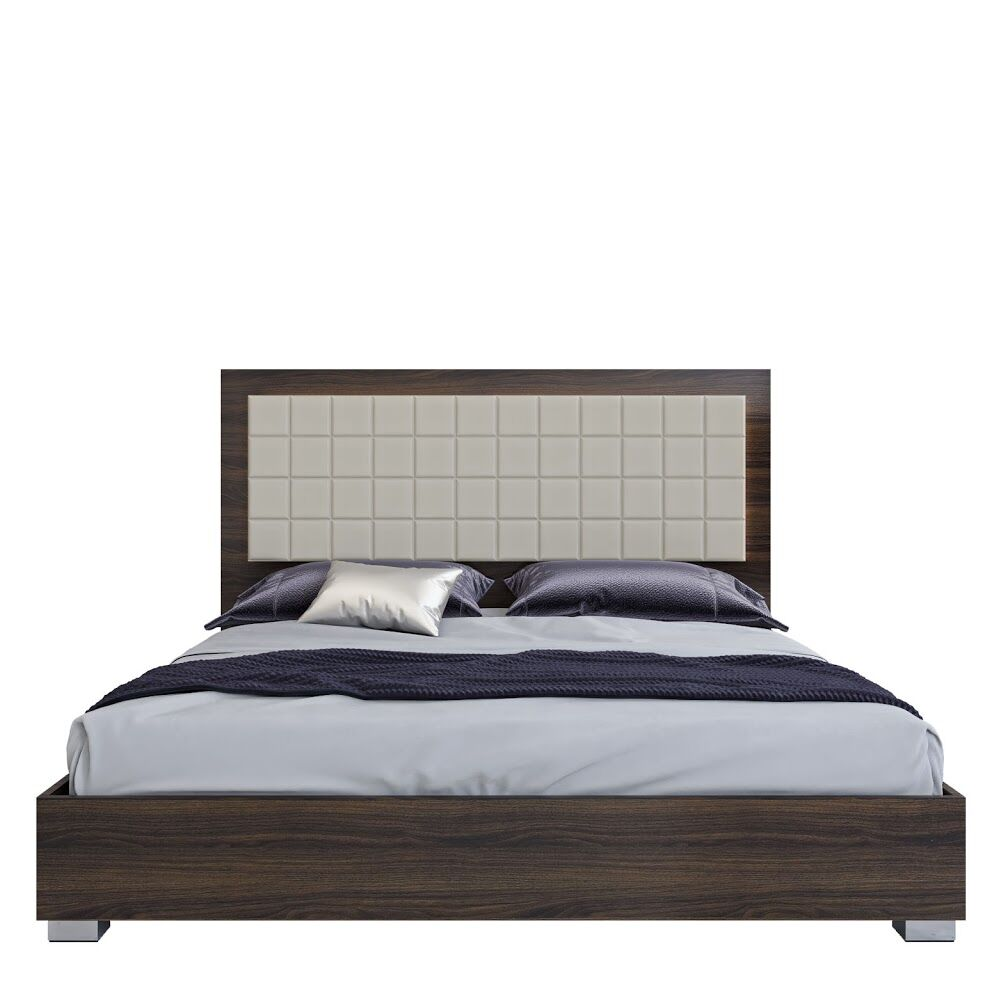 Granberry Platform Bed Color: Shadow Walnut, Size: Queen