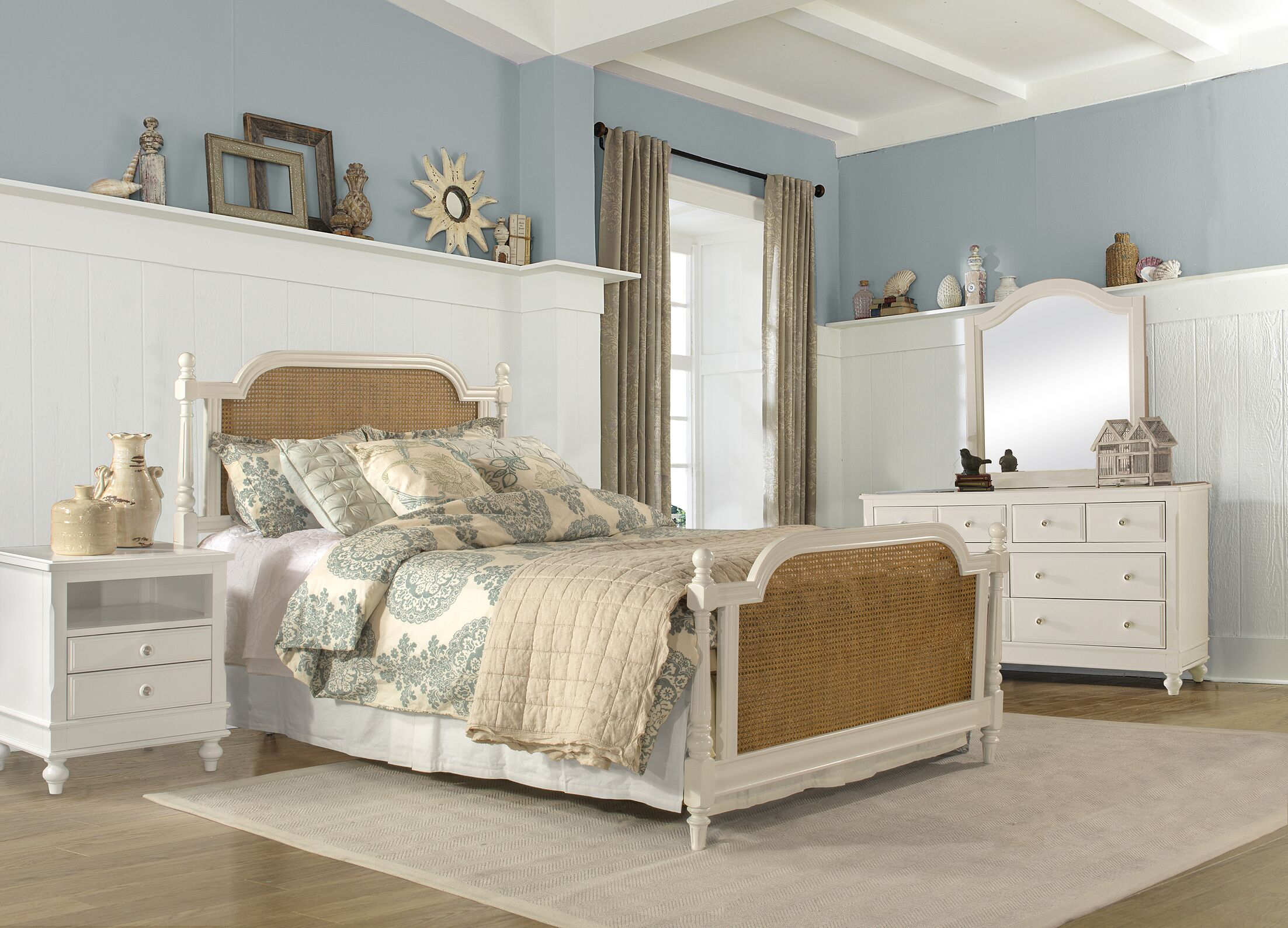 Kozlowski Panel Bed Size: Queen