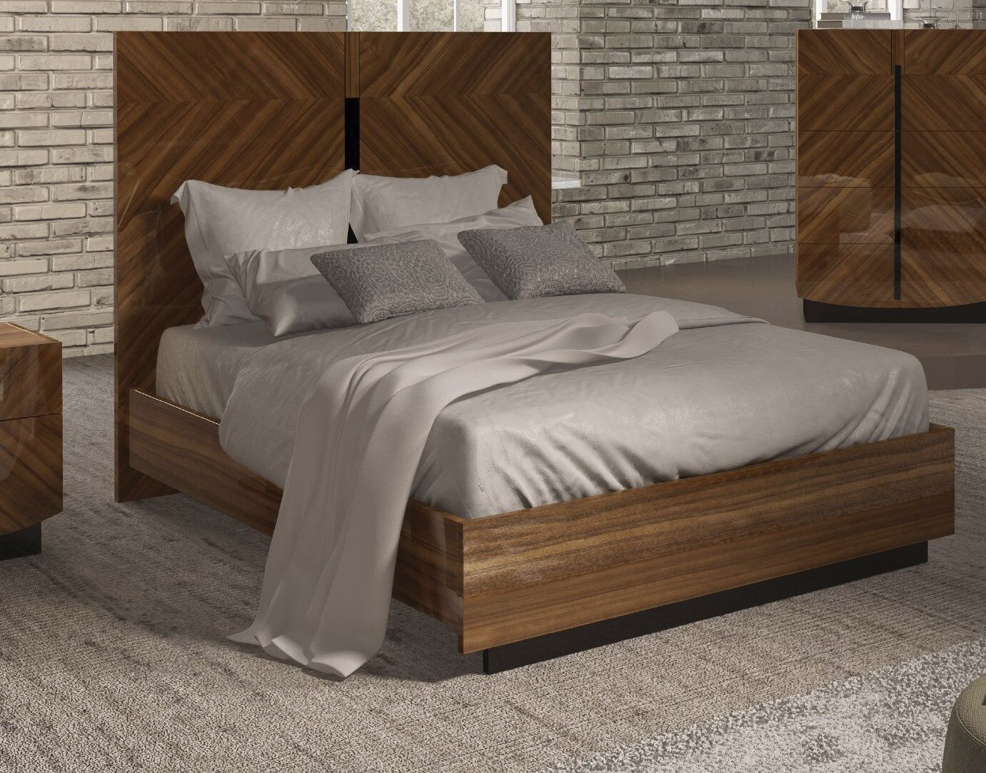 Alers Panel Bed Size: King