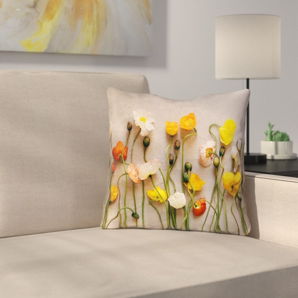 Tuyen Dried Flowers Outdoor Throw Pillow Size: 16