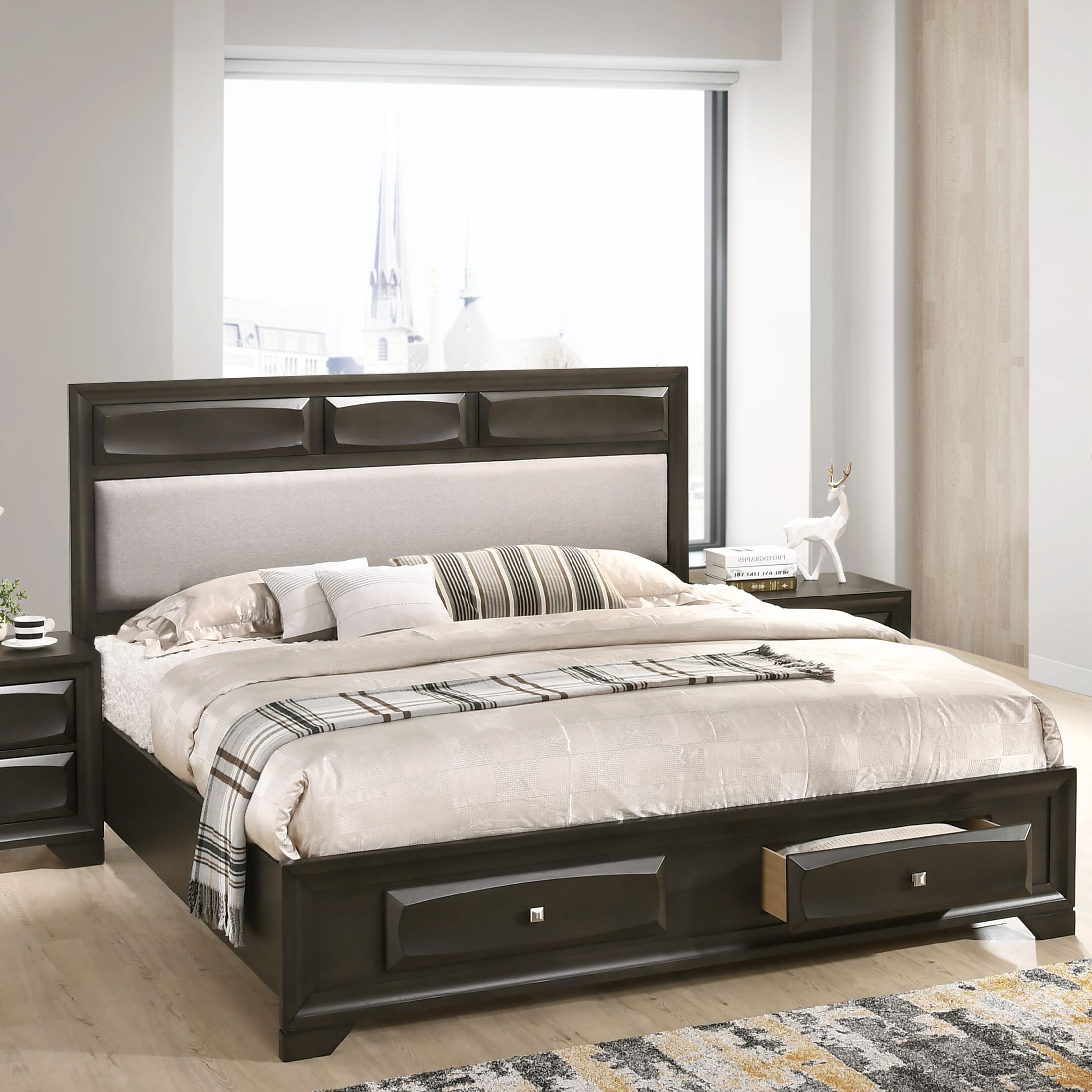 Beagan Wood Upholstered Storage Platform Bed Size: King