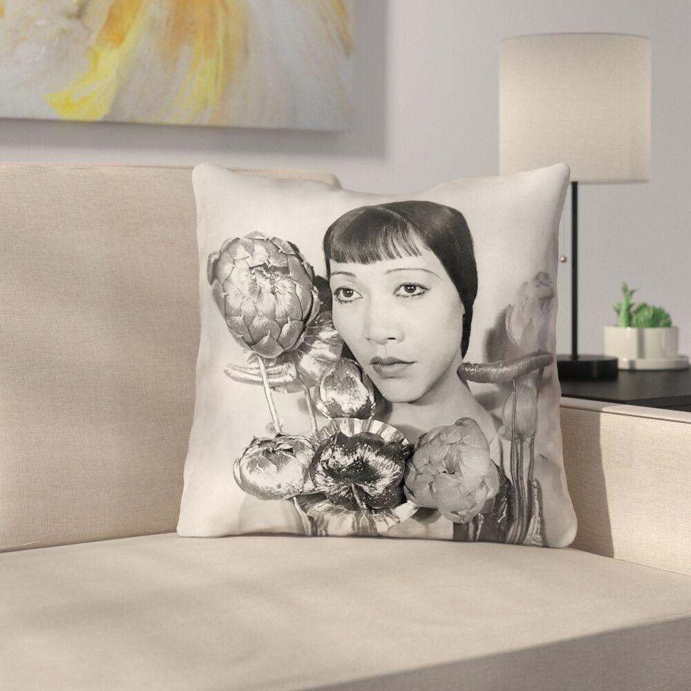 Outdoor Throw Pillow Size: 18