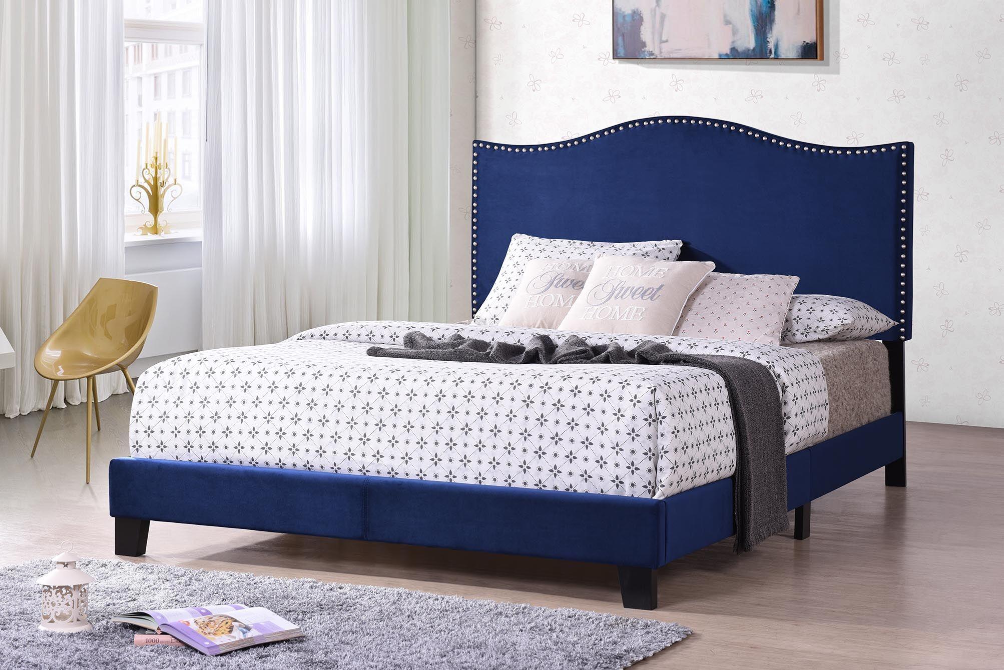 Henthorn Upholstered Bed Size: King