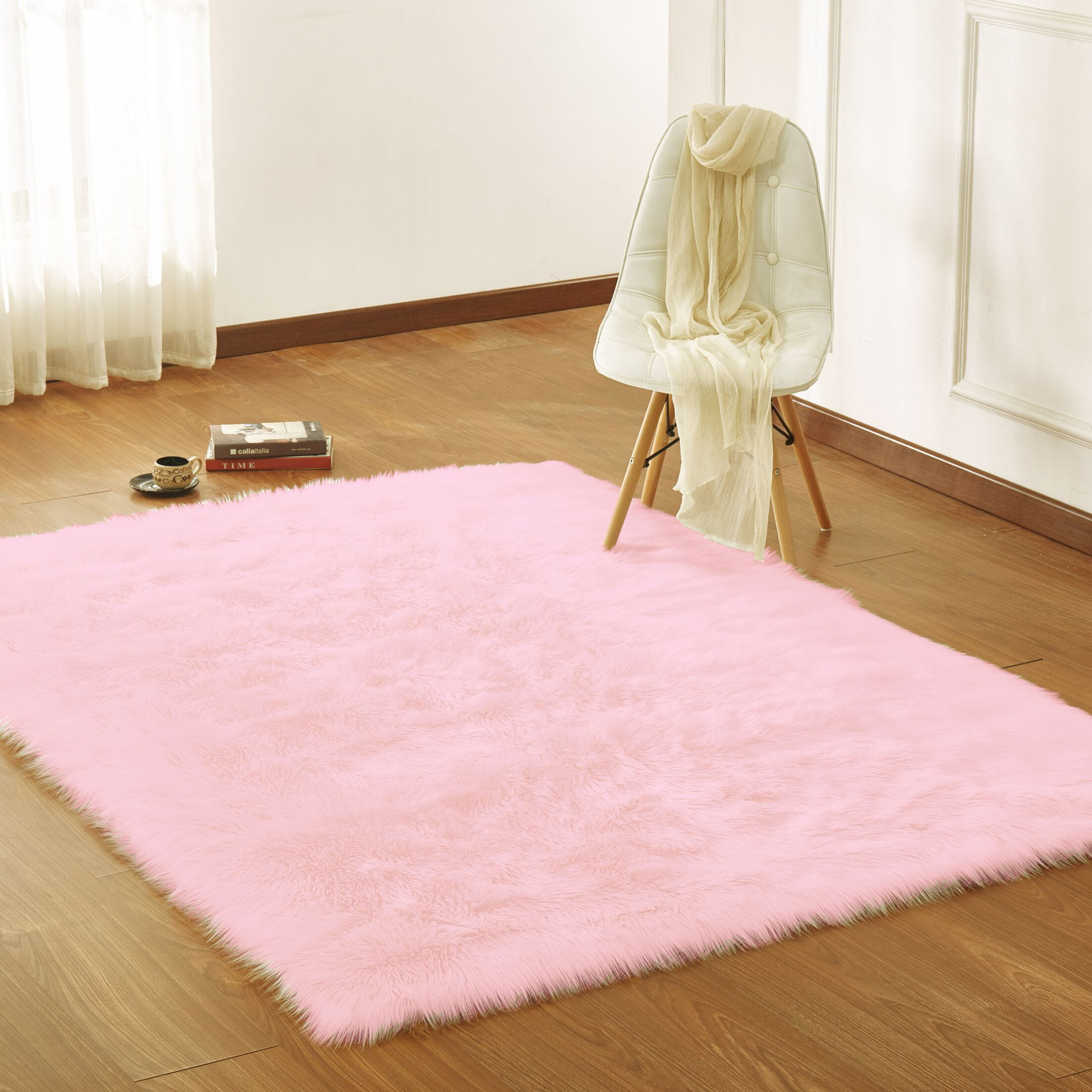 Mereworth Fox Animal Power Loom Faux Fur Pink Area Rug