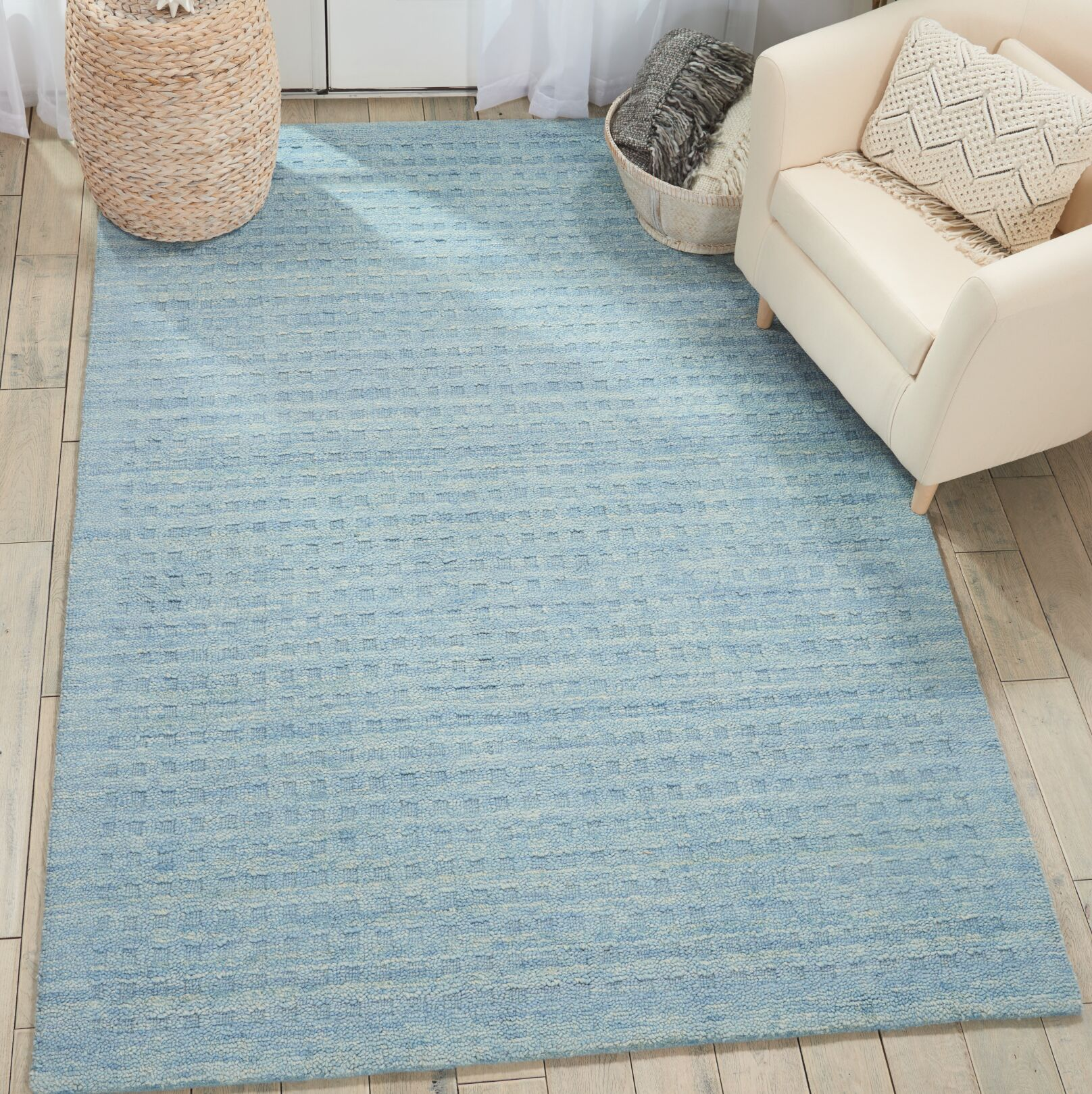 Dove Hand-Woven Wool Sky Blue Area Rug Rug Size: Rectangle 5' x 7'6