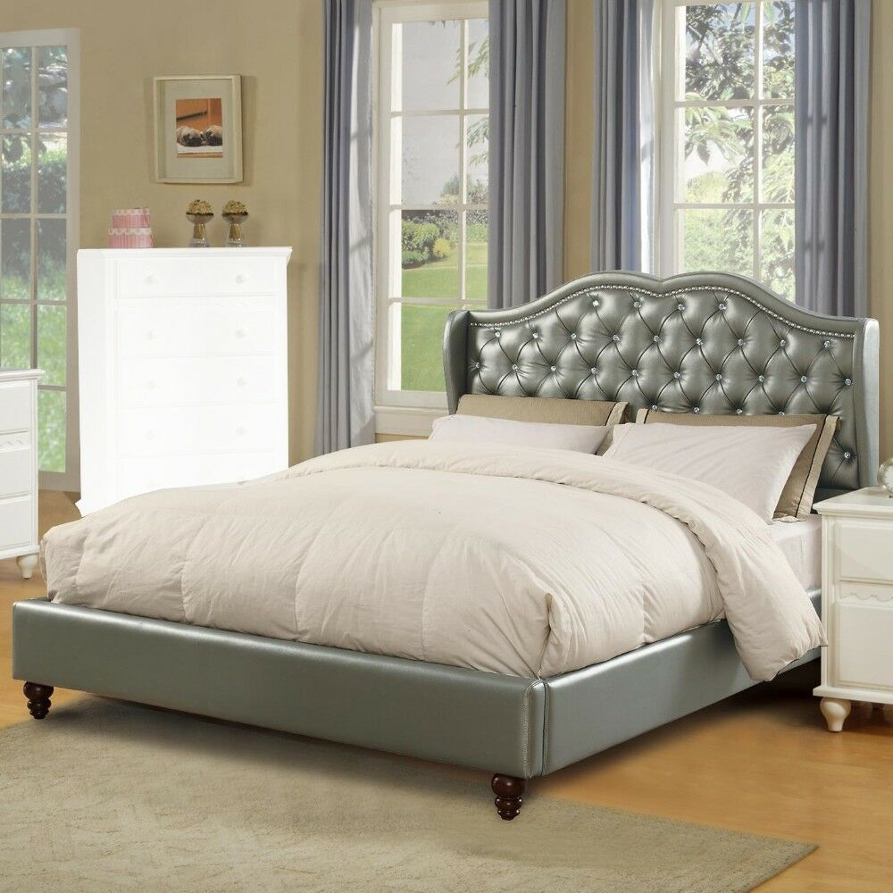 Drowne Upholstered Panel Bed Size: Queen, Color: Silver