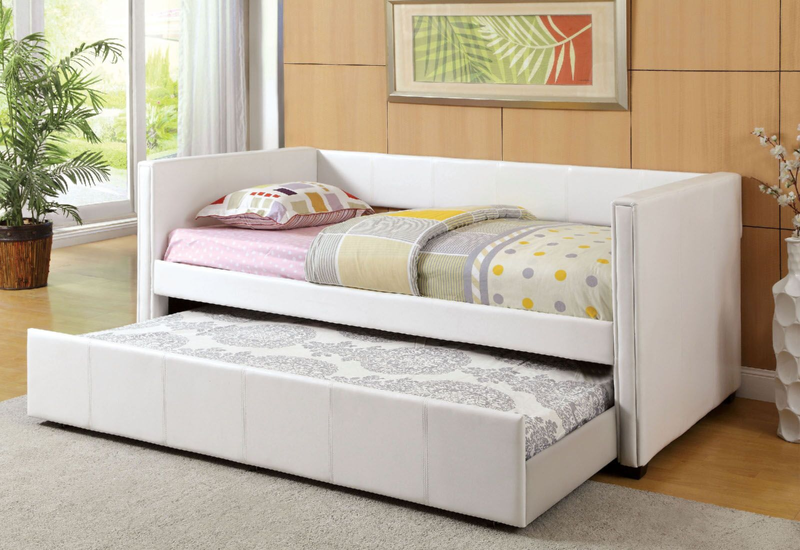 Matranga Daybed with Trundle Color: White
