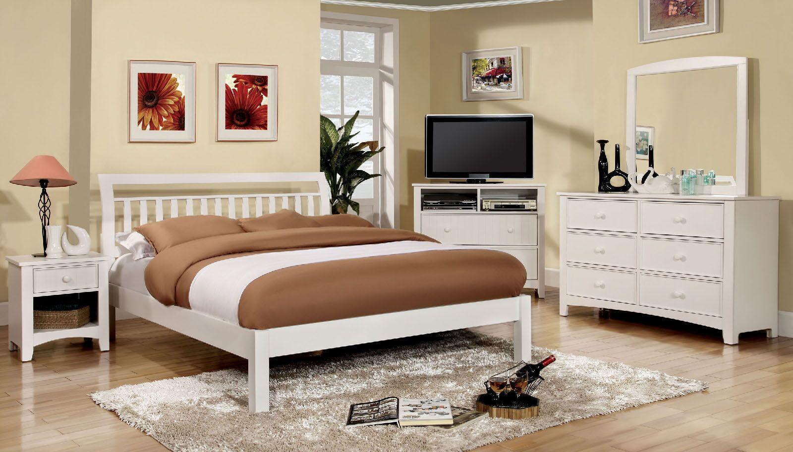 Hervey Bay Platform Bed Size: King, Color: White