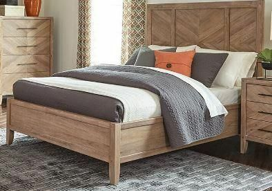 Hillam Panel Bed Size: Queen