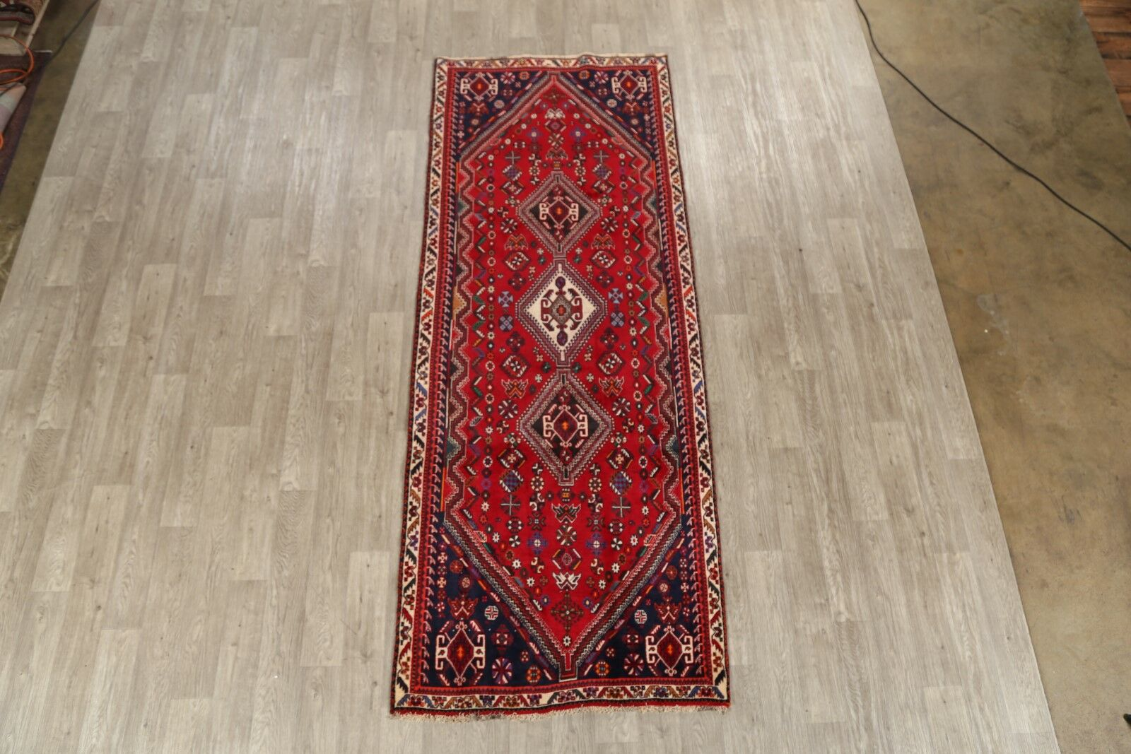 One-of-a-Kind Abadeh Classical Vintage Shiraz Persian Hand-Knotted 3'10