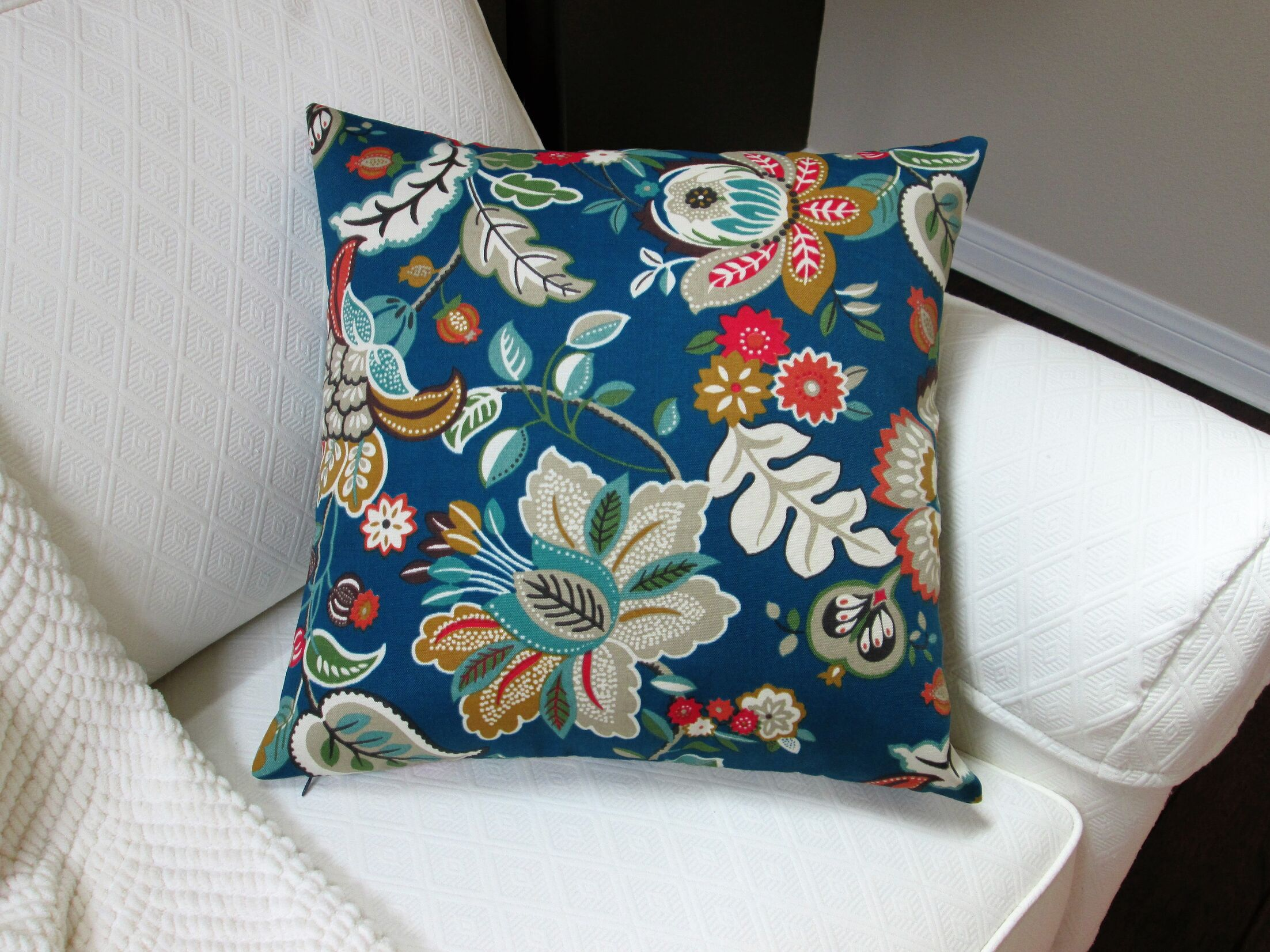 Lackey Flower Indoor/Outdoor Pillow Product Type: Pillow Cover