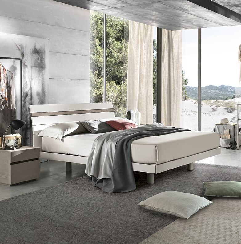 Joker Platform Bed Size: Queen, Color: Matte Mother of Pearl Lacquered