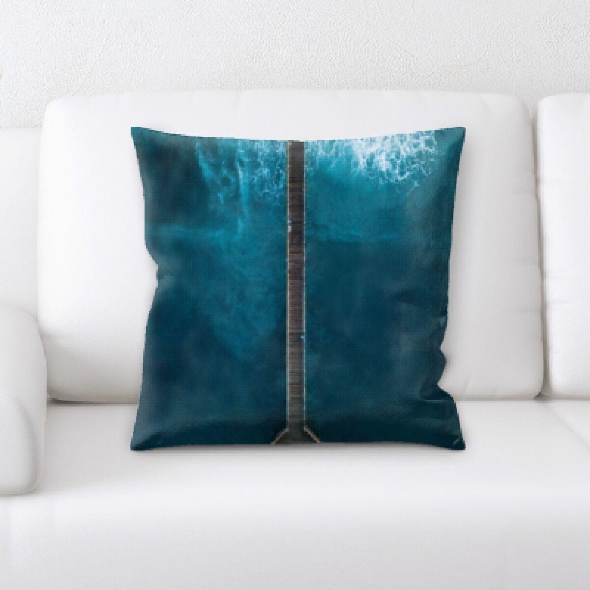 Banbury The Great Sea (211) Throw Pillow