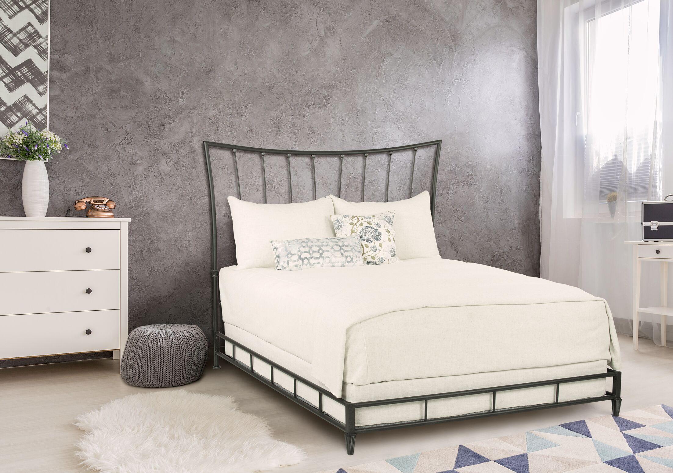 Jordan-La Platform Bed Size: Queen