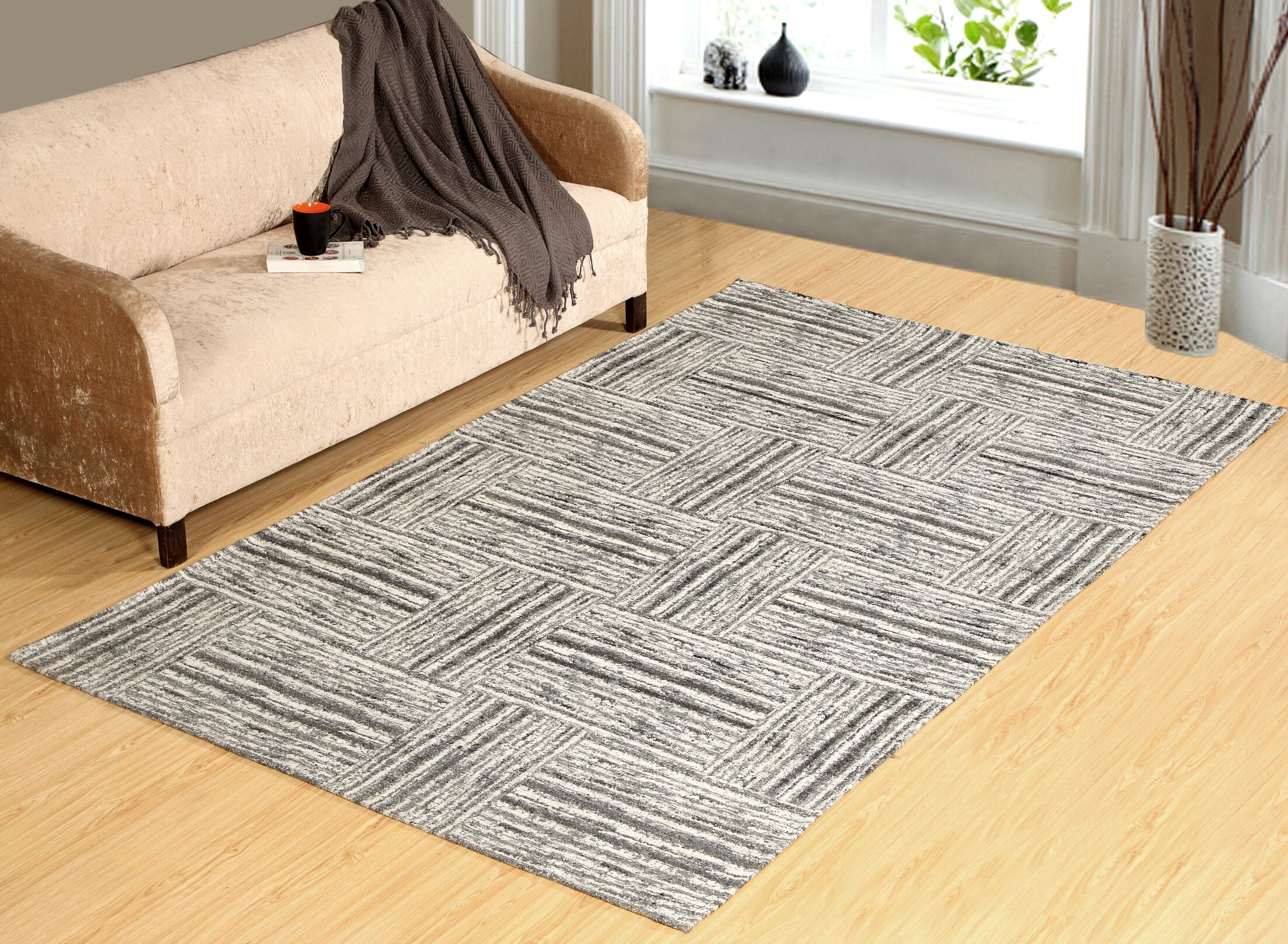 Kozak Hand-Tufted Gray Indoor/Outdoor Use Area Rug Rug Size: Runner 2' x 7'6