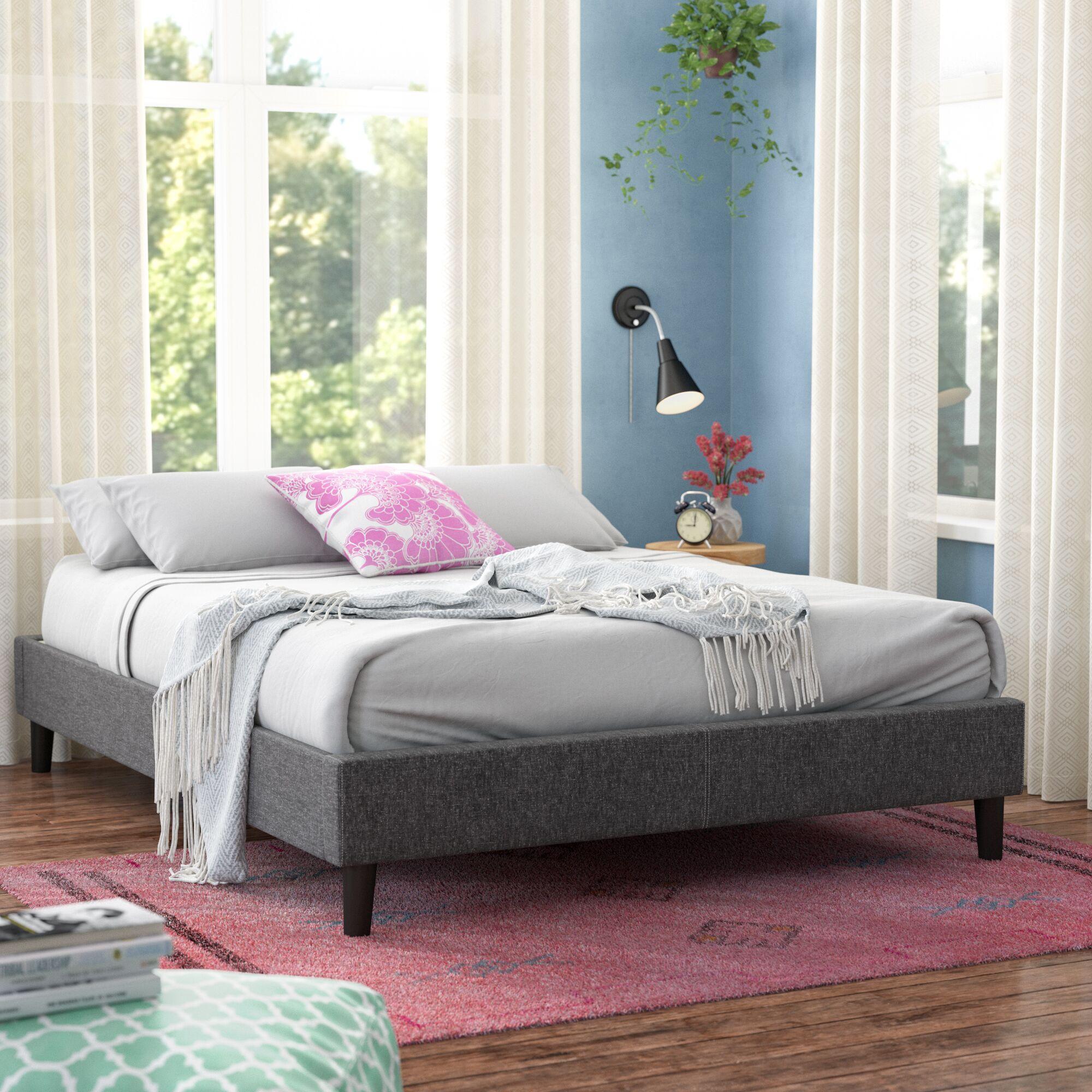 Noemi Platform Bed Size: Queen