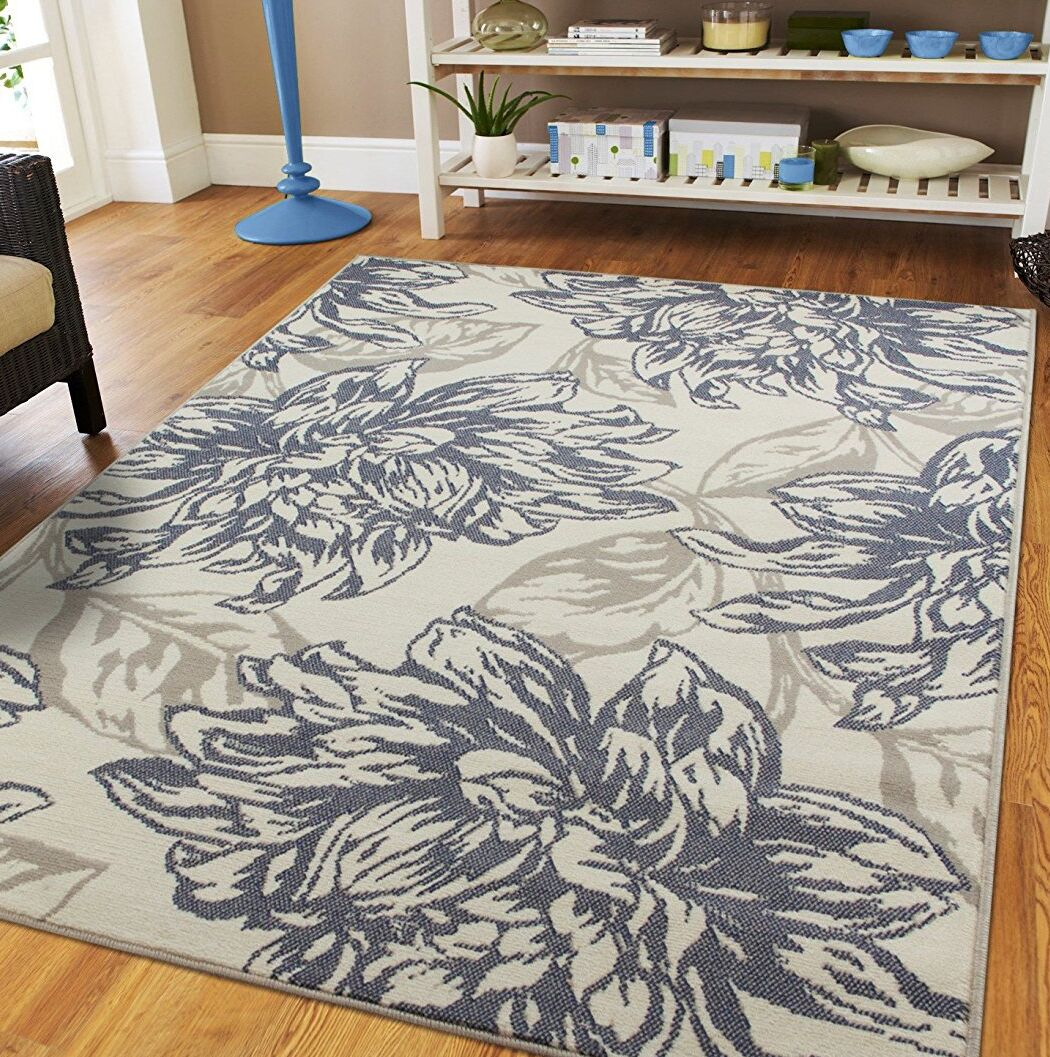 Whetzel Luxury Leaf Pattern Ivory/Gray Indoor/Outdoor Area Rug Rug Size: Rectangle 5' x 8'