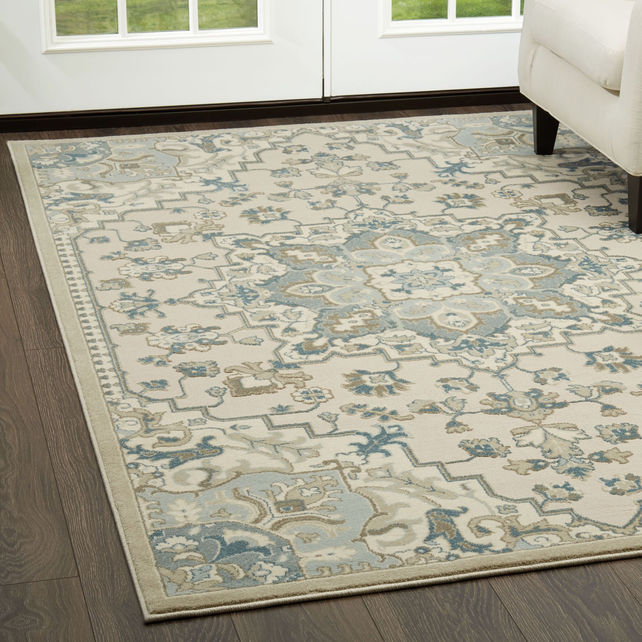 Ivory/Blue Area Rug Rug Size: Rectangle 5'2