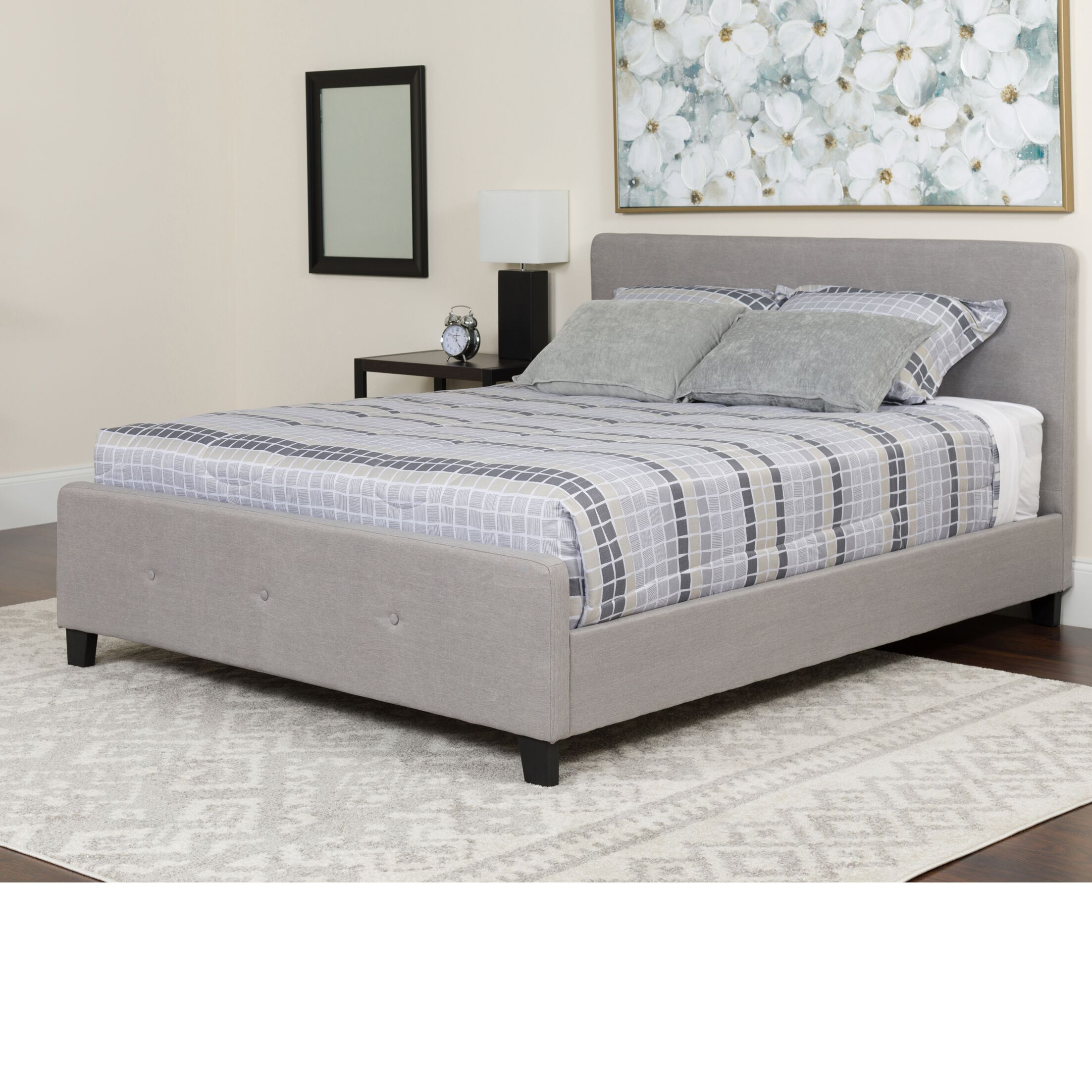 Konen Tufted Upholstered Platform Bed Color: Light Gray, Size: Queen