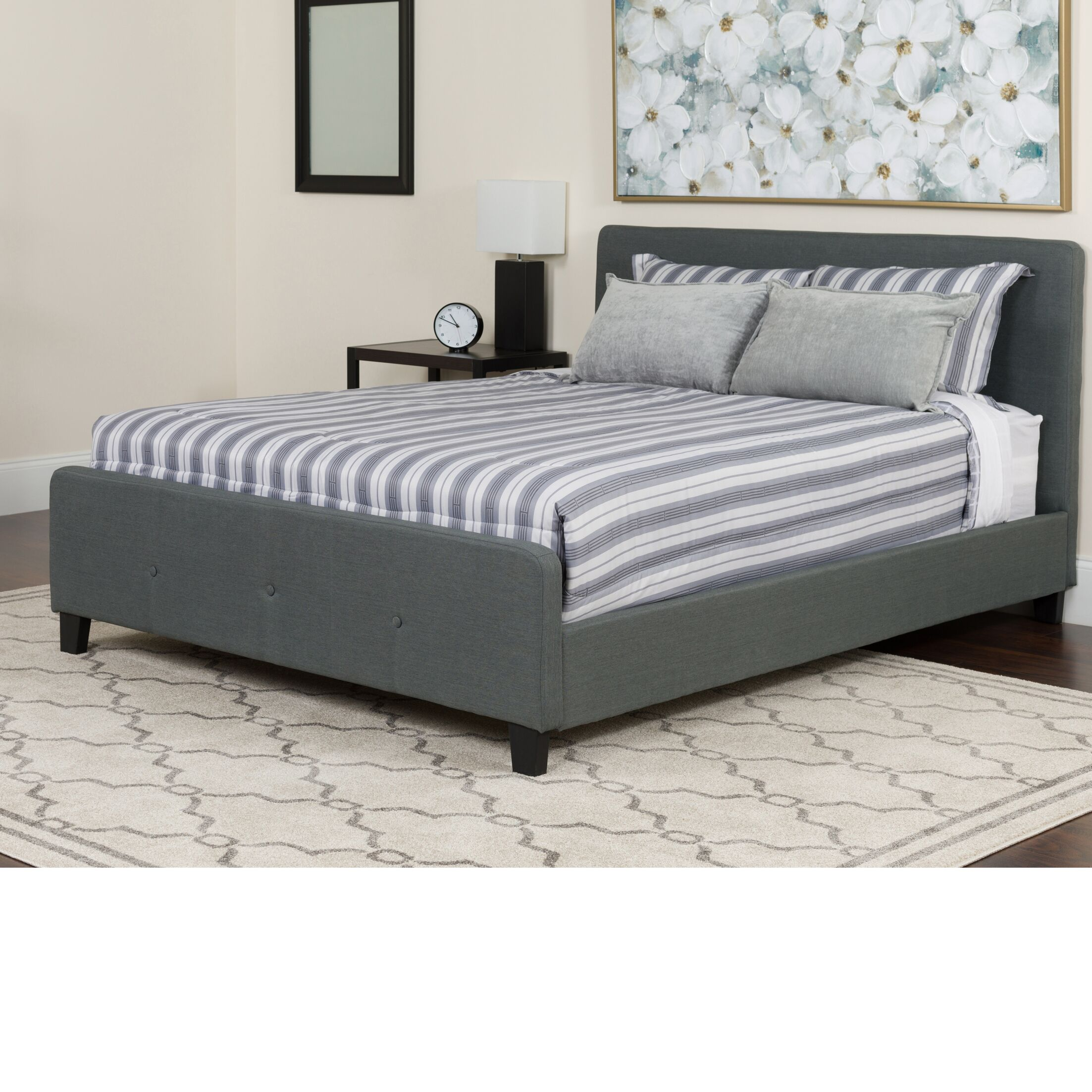 Konen Tufted Upholstered Platform Bed Color: Dark Gray, Size: Queen