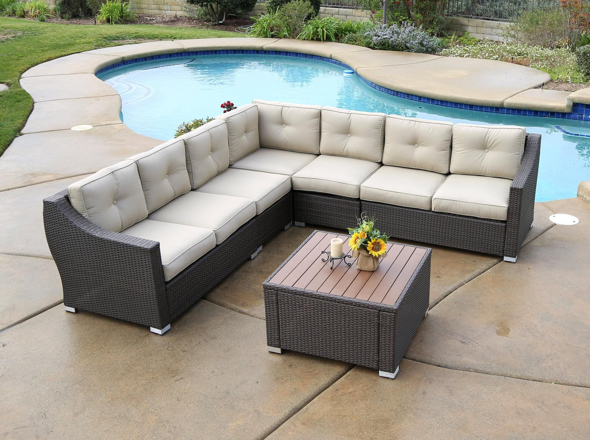 Lanclos 6 Piece Sectional Seating Group with Cushions