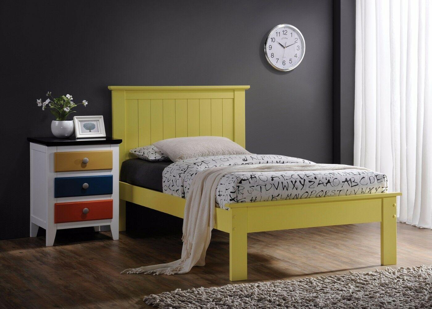 Knopp Wooden Queen Platform Bed Color: Yellow