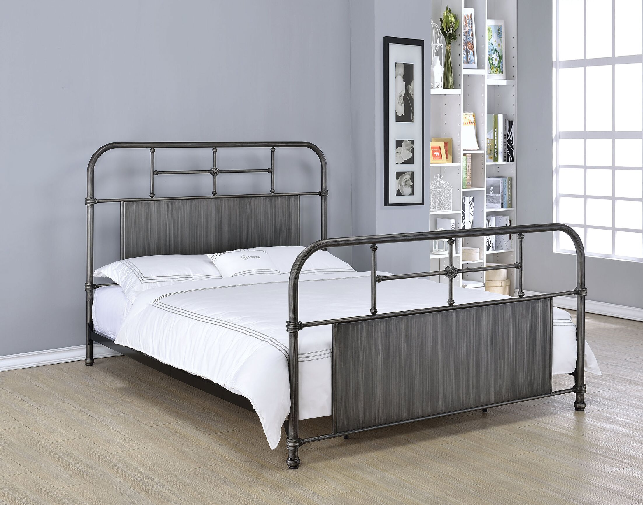 Swan Panel Bed Size: Full