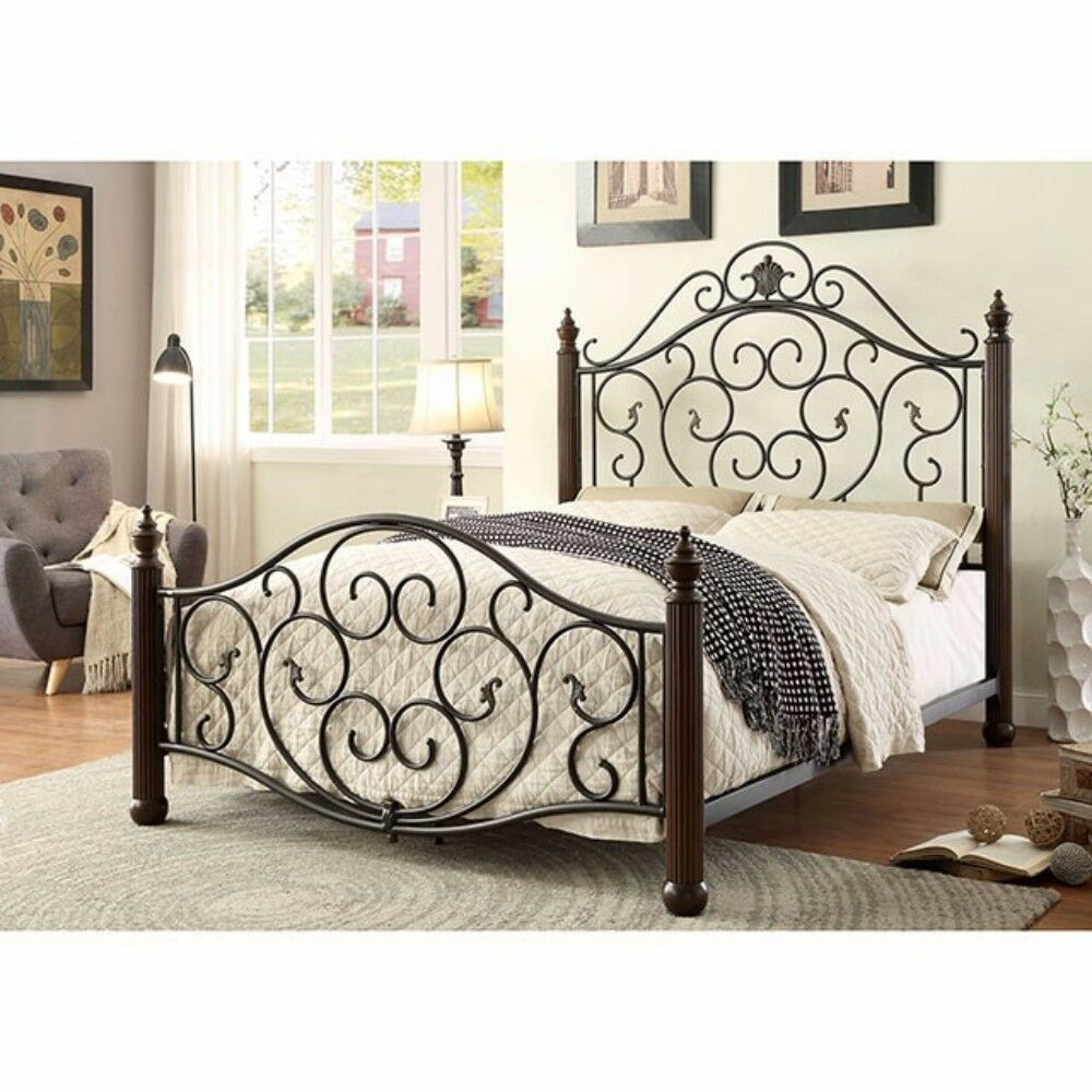 Gosnell Metal Panel Bed Size: California King
